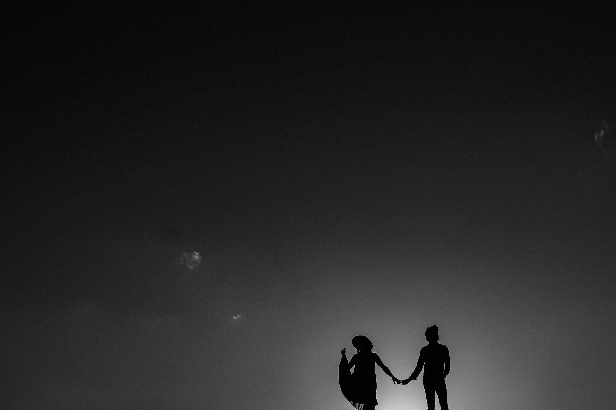 piekna sesja narzeczenska rustykalna romantyczna sesja na pustyni sesja zdjeciowa poznan krugphotography fotograf slubny z poznania fotografia slubna poznan 1300