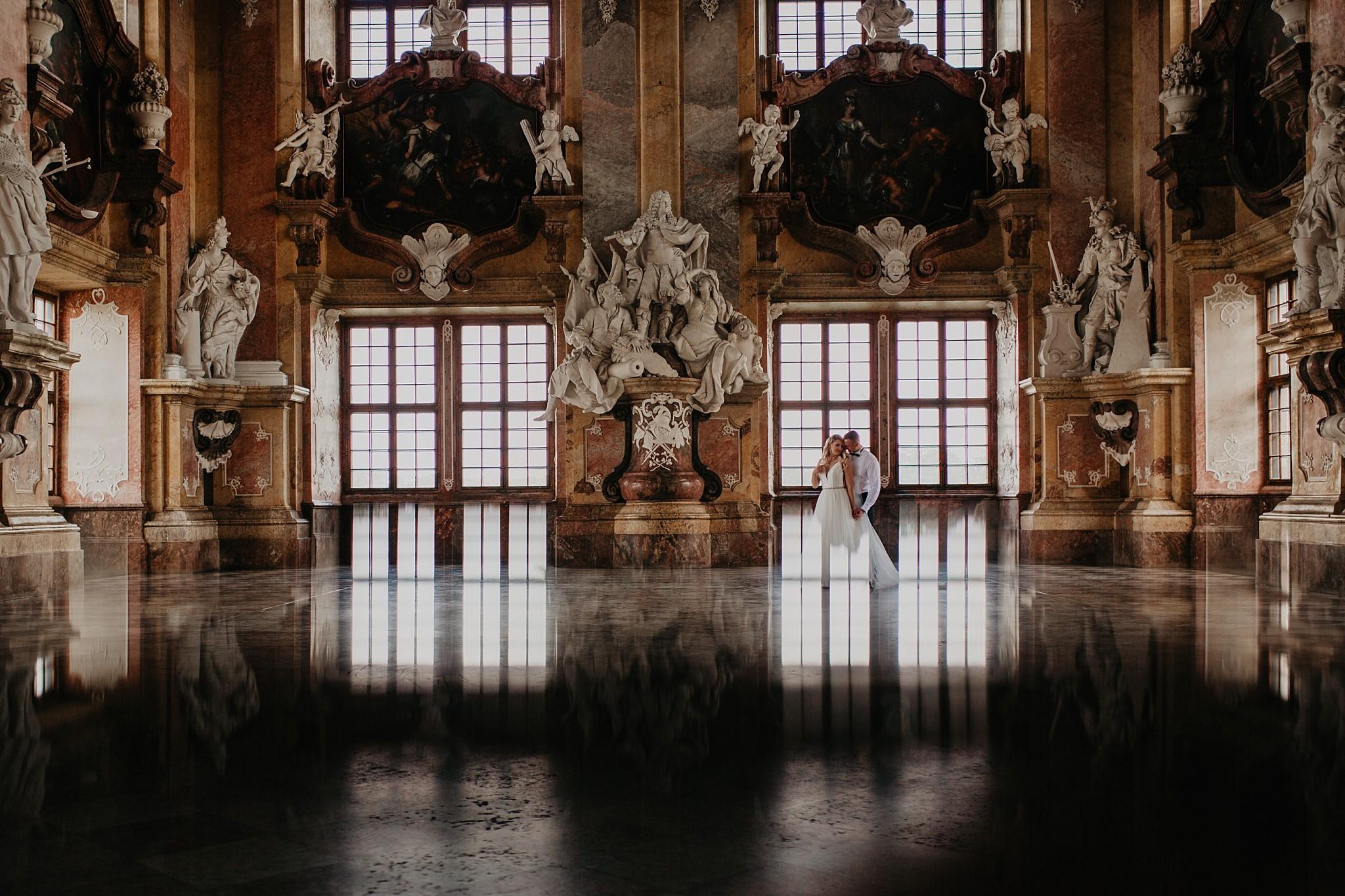 lubiaz opactwo cystersow sesja na zamku sesja zdjeciowa sesja slubna w palacu sesja palac fotograf z poznania fotografia slubna poznan 042