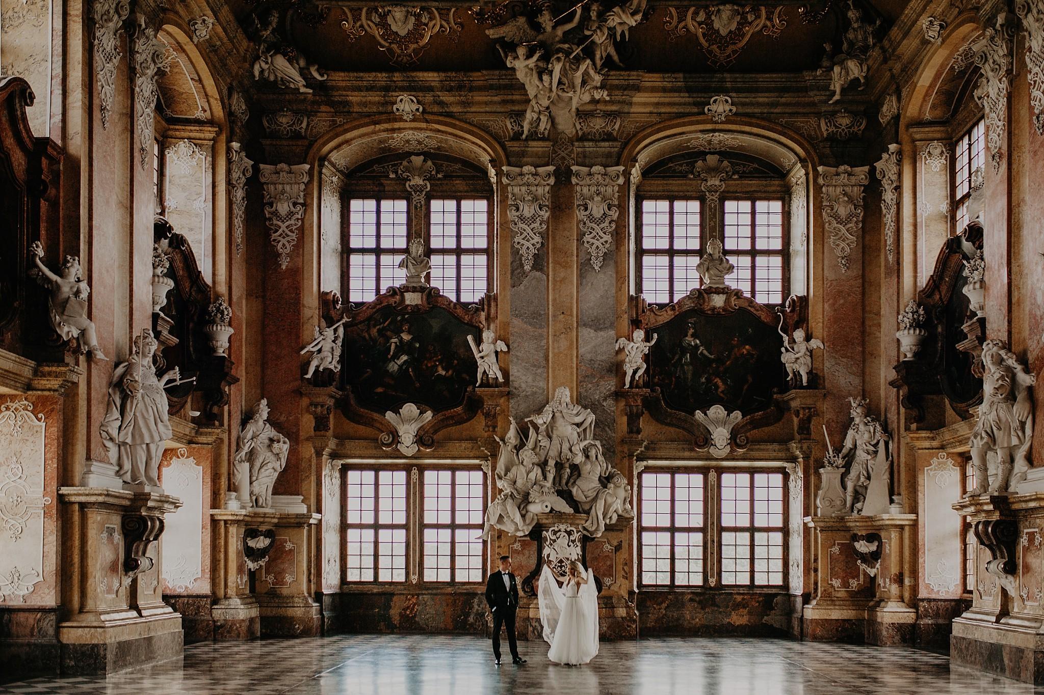 lubiaz opactwo cystersow sesja na zamku sesja zdjeciowa sesja slubna w palacu sesja palac fotograf z poznania fotografia slubna poznan 045