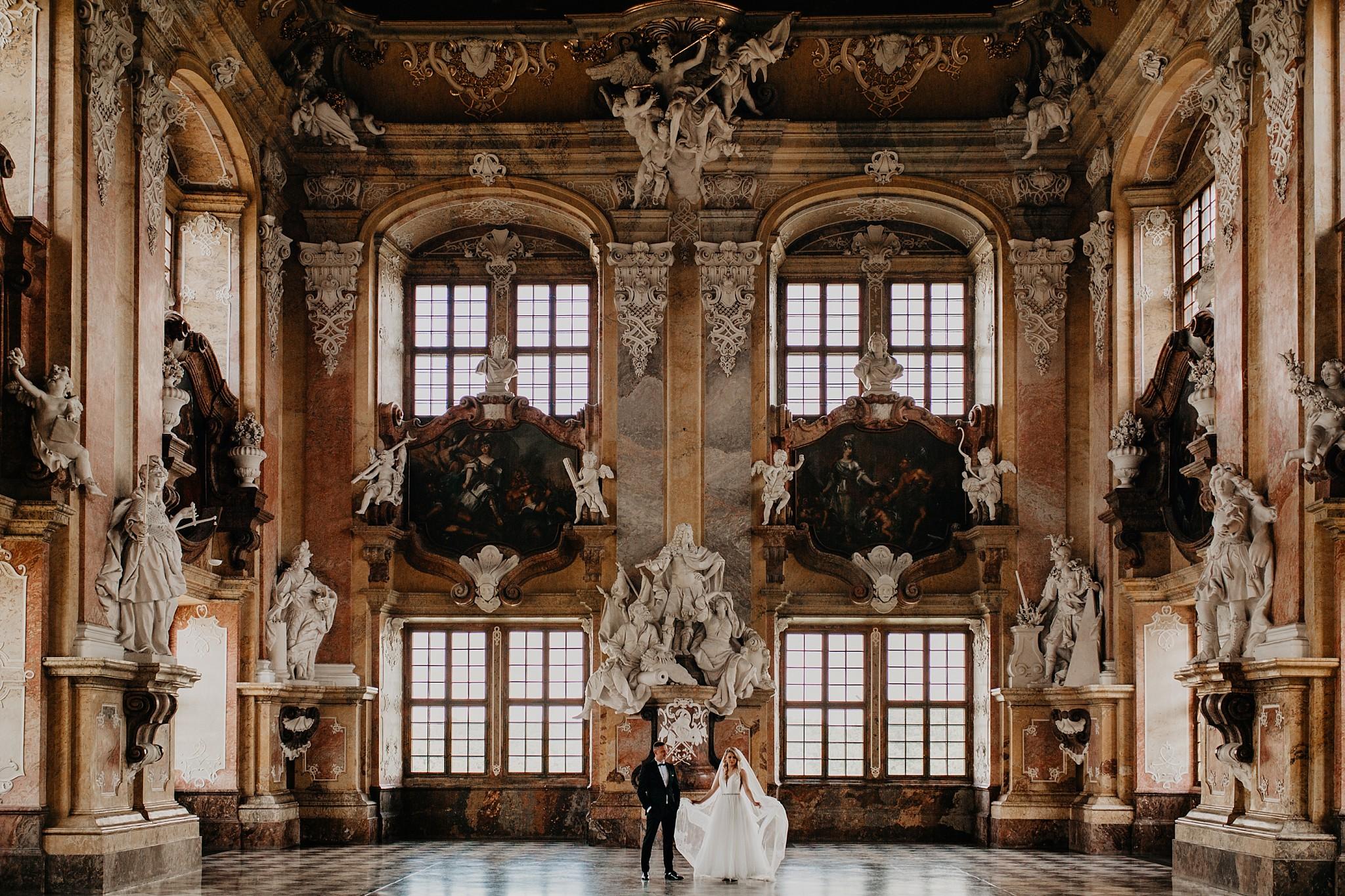 lubiaz opactwo cystersow sesja na zamku sesja zdjeciowa sesja slubna w palacu sesja palac fotograf z poznania fotografia slubna poznan 046