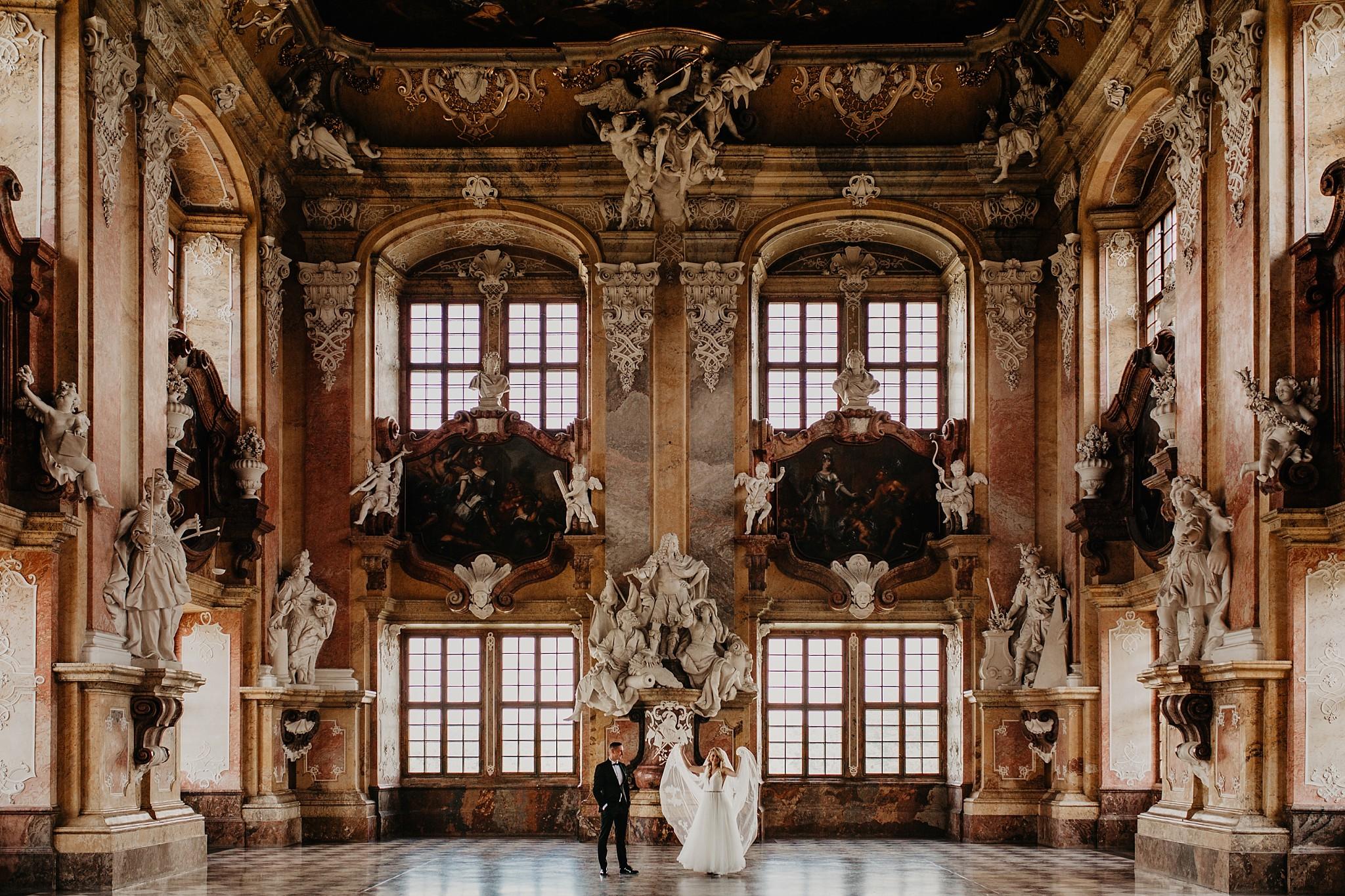 lubiaz opactwo cystersow sesja na zamku sesja zdjeciowa sesja slubna w palacu sesja palac fotograf z poznania fotografia slubna poznan 048