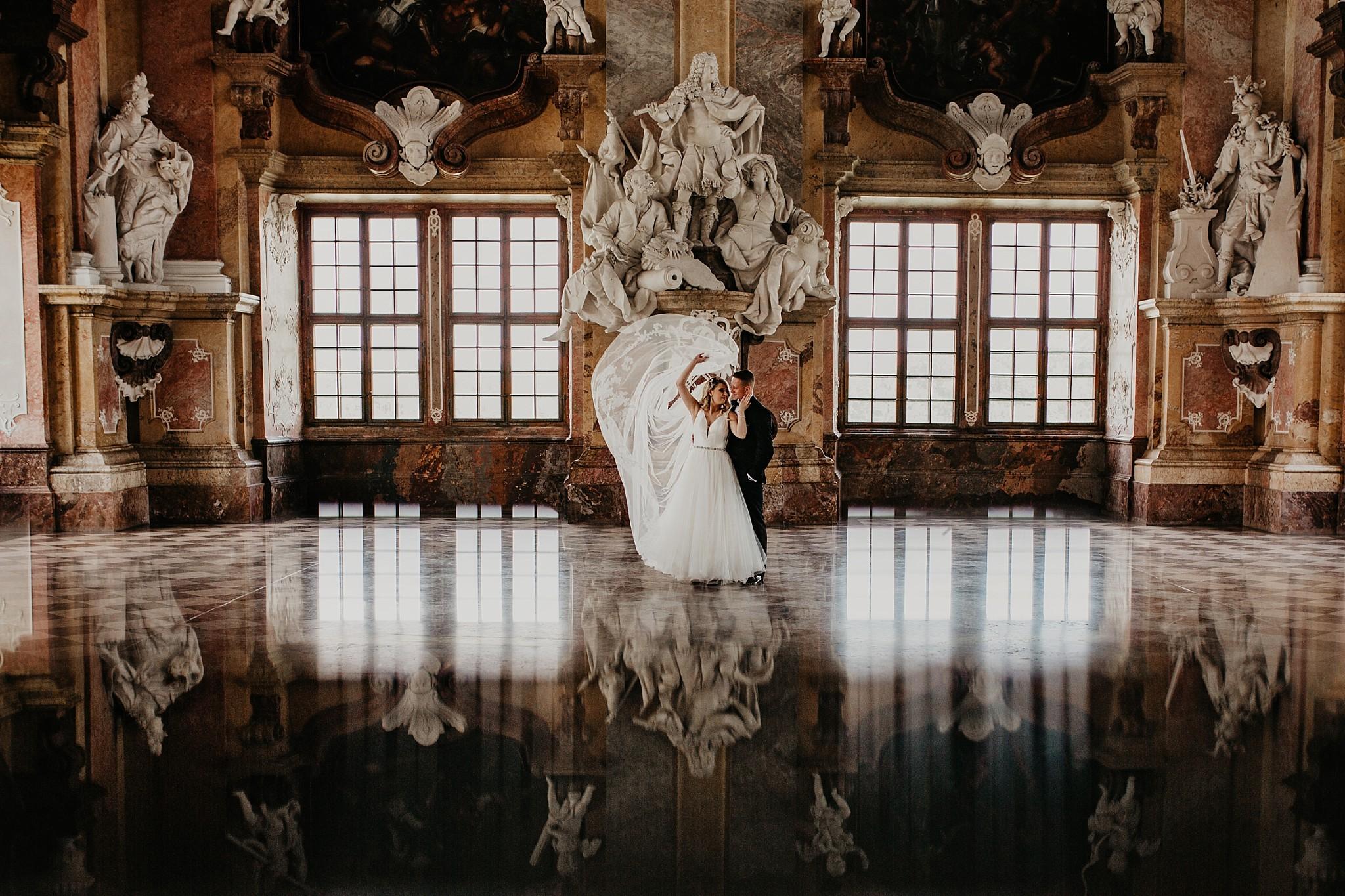 lubiaz opactwo cystersow sesja na zamku sesja zdjeciowa sesja slubna w palacu sesja palac fotograf z poznania fotografia slubna poznan 049