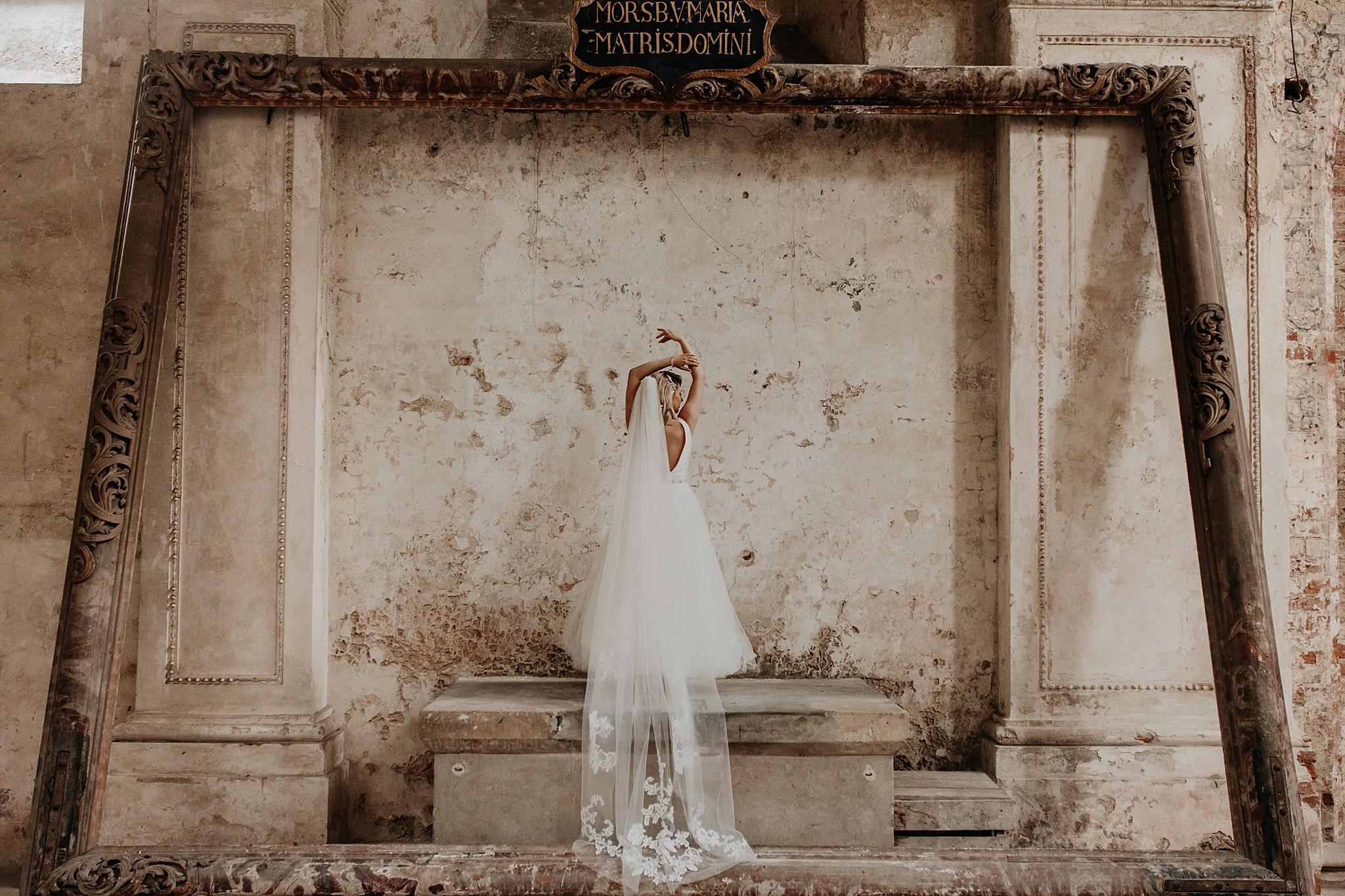 lubiaz opactwo cystersow sesja na zamku sesja zdjeciowa sesja slubna w palacu sesja palac fotograf z poznania fotografia slubna poznan 076