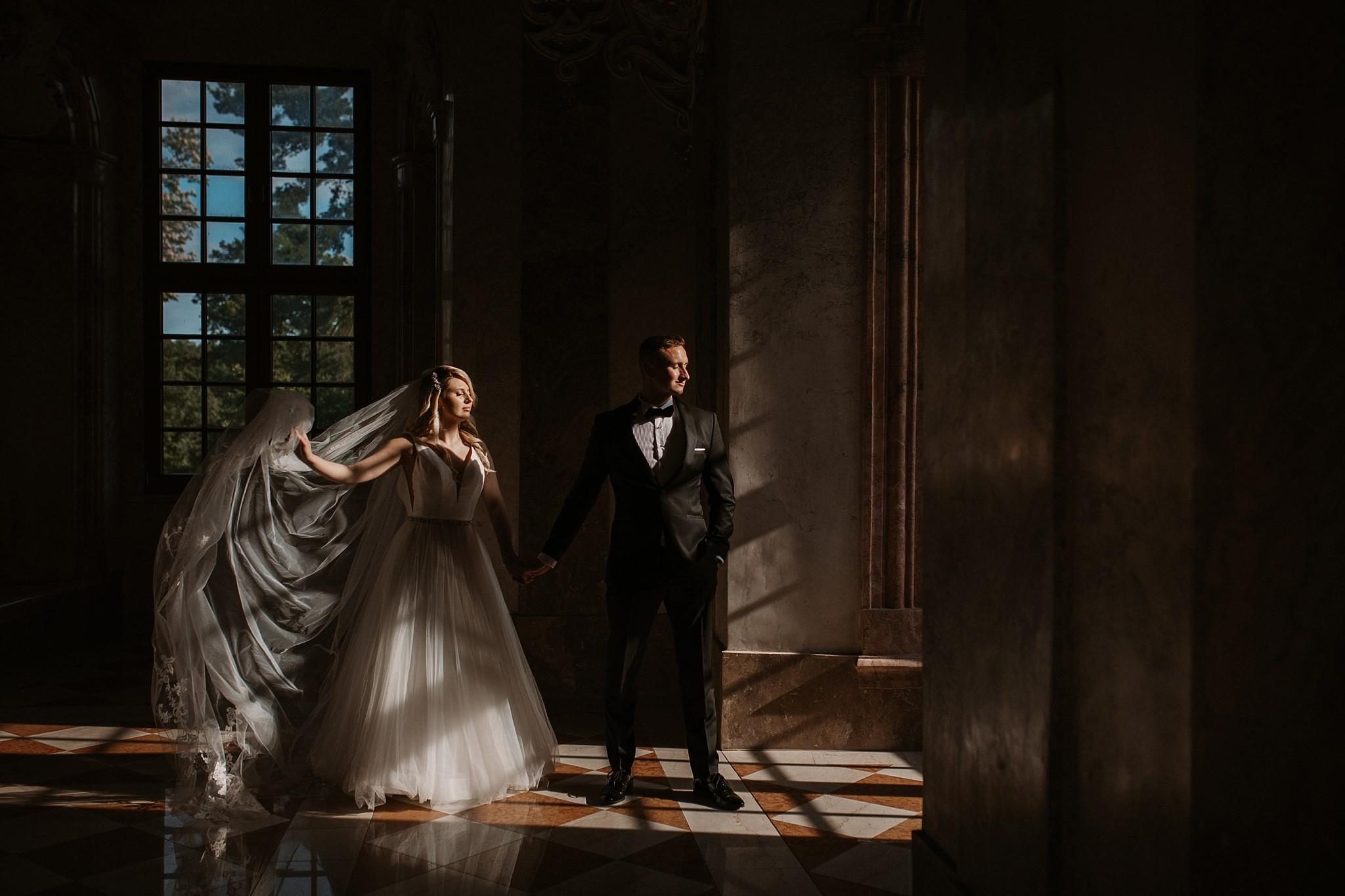 lubiaz opactwo cystersow sesja na zamku sesja zdjeciowa sesja slubna w palacu sesja palac fotograf z poznania fotografia slubna poznan 106