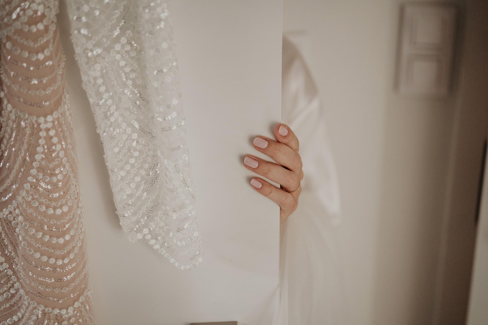 fotograf poznan wesele dobra truskawka piekne wesele pod poznaniem wesele w dobrej truskawce piekna para mloda slub marzen slub koronawirus slub listopad wesele koronawirus 065