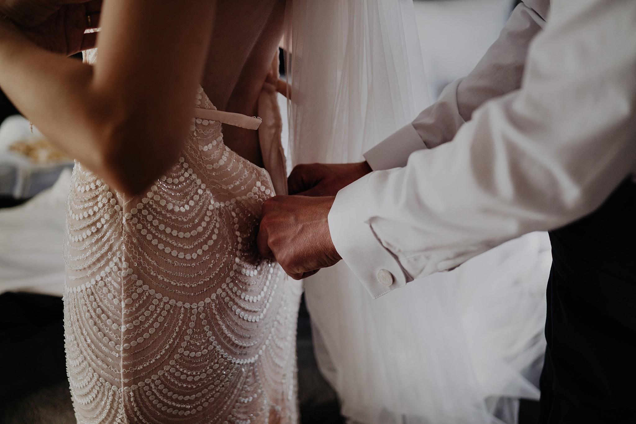 fotograf poznan wesele dobra truskawka piekne wesele pod poznaniem wesele w dobrej truskawce piekna para mloda slub marzen slub koronawirus slub listopad wesele koronawirus 073