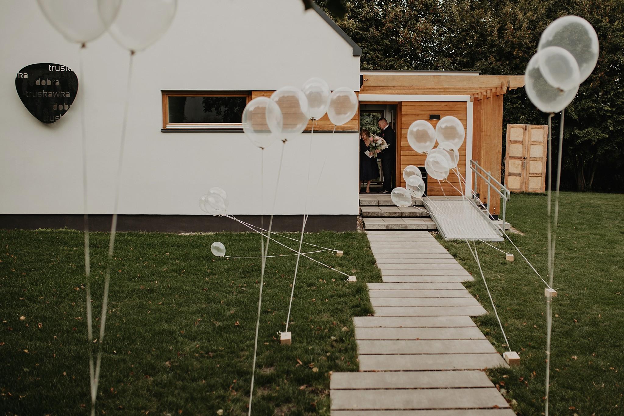 fotograf poznan wesele dobra truskawka piekne wesele pod poznaniem wesele w dobrej truskawce piekna para mloda slub marzen slub koronawirus slub listopad wesele koronawirus 087