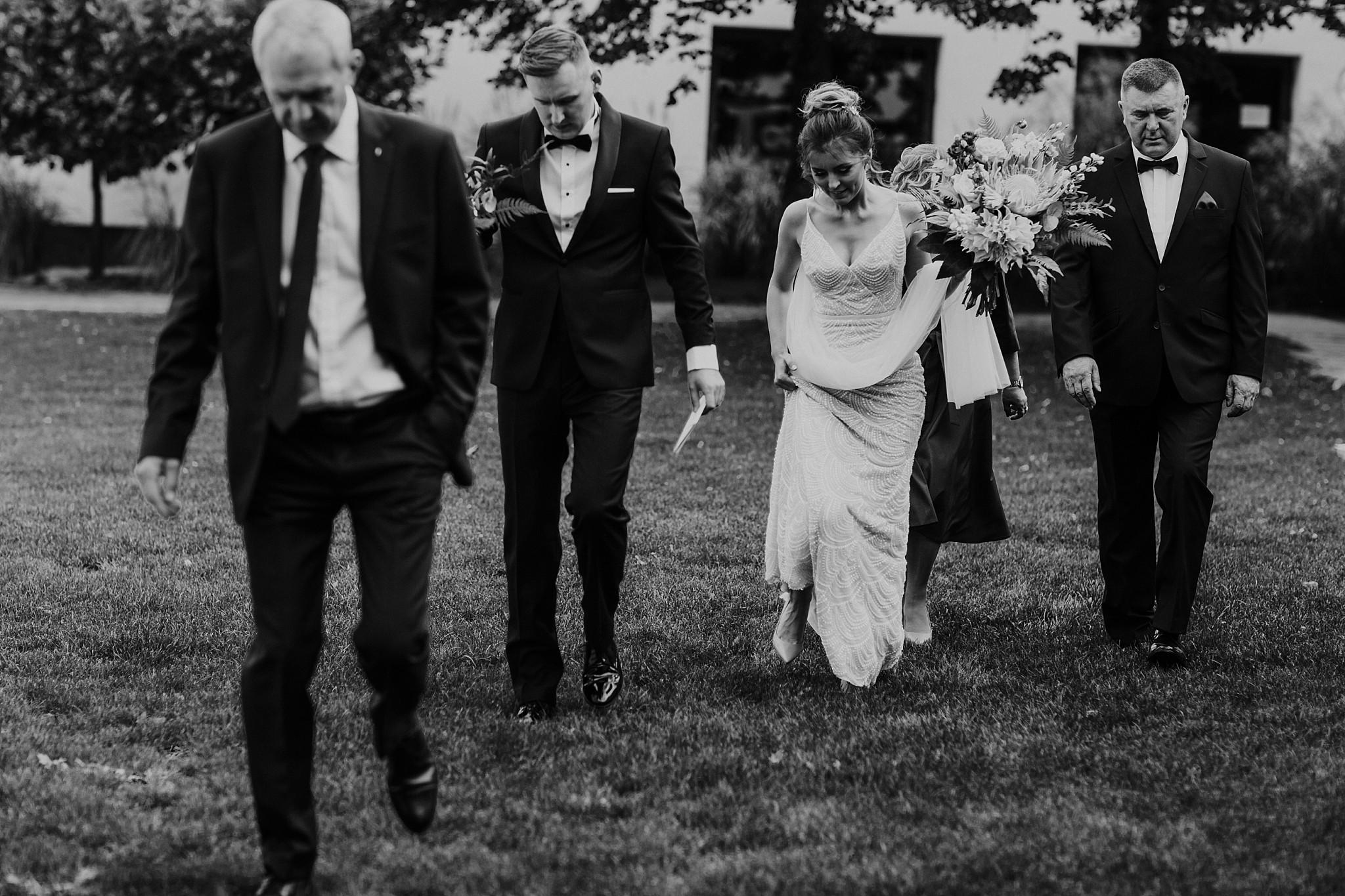 fotograf poznan wesele dobra truskawka piekne wesele pod poznaniem wesele w dobrej truskawce piekna para mloda slub marzen slub koronawirus slub listopad wesele koronawirus 092