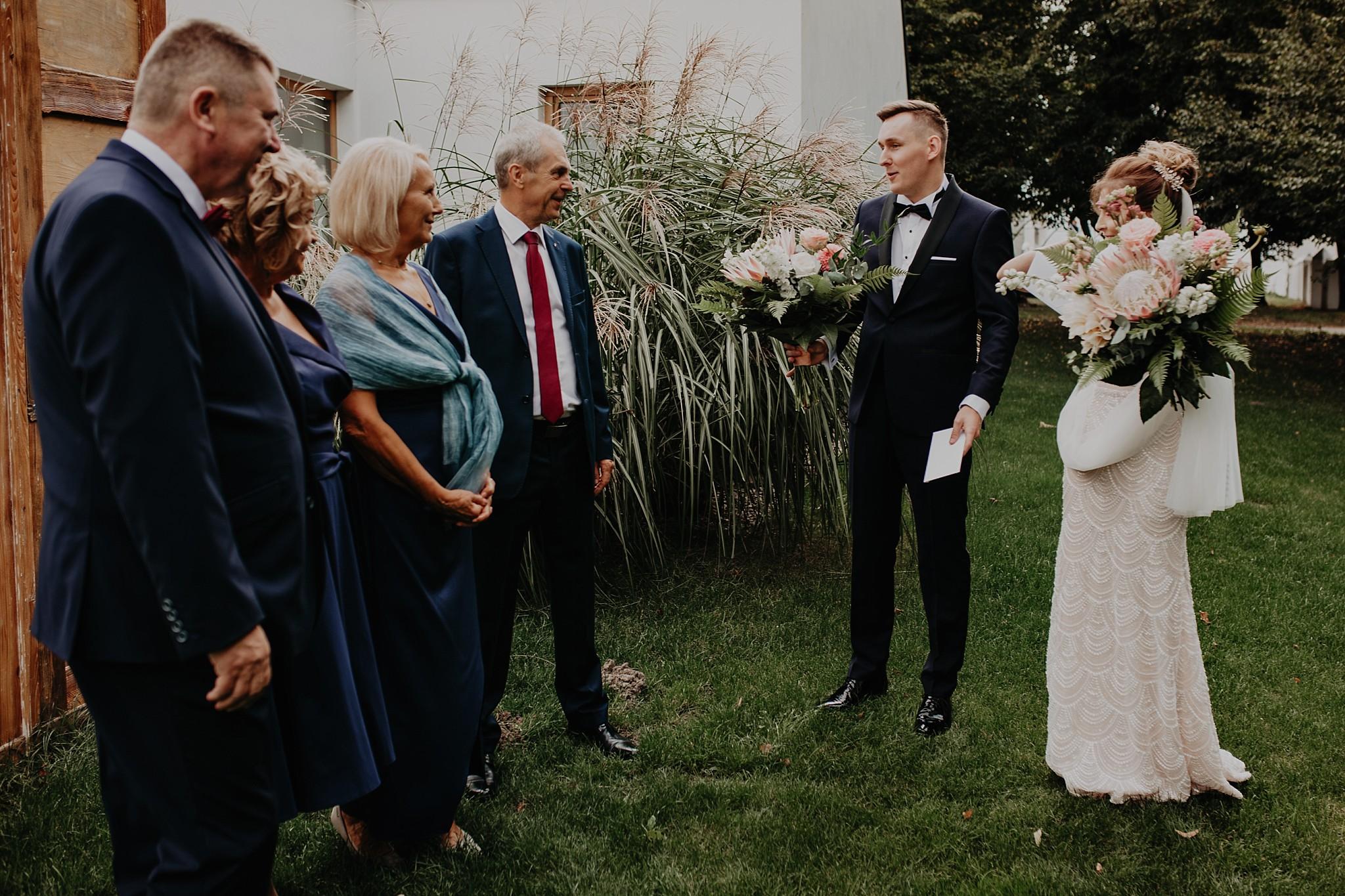 fotograf poznan wesele dobra truskawka piekne wesele pod poznaniem wesele w dobrej truskawce piekna para mloda slub marzen slub koronawirus slub listopad wesele koronawirus 093
