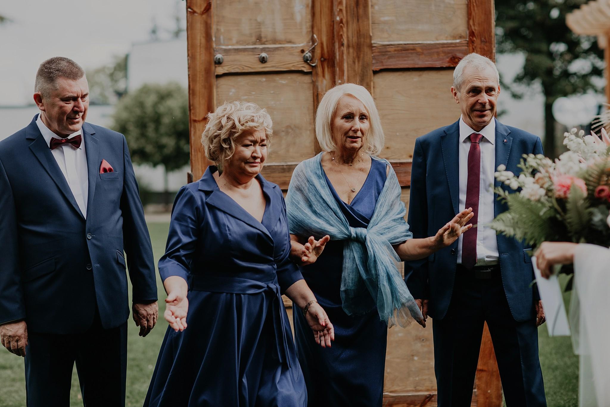 fotograf poznan wesele dobra truskawka piekne wesele pod poznaniem wesele w dobrej truskawce piekna para mloda slub marzen slub koronawirus slub listopad wesele koronawirus 095