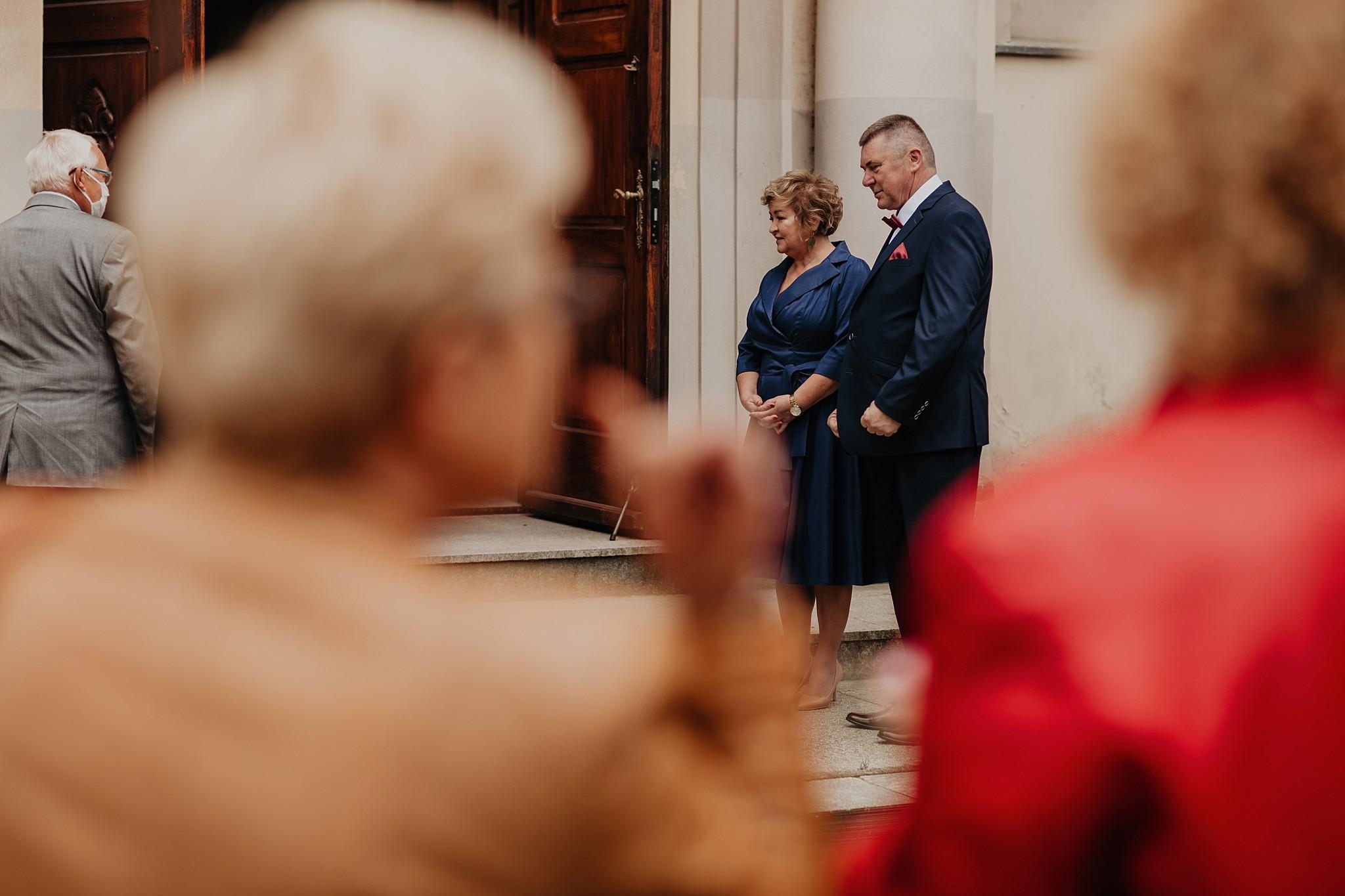 fotograf poznan wesele dobra truskawka piekne wesele pod poznaniem wesele w dobrej truskawce piekna para mloda slub marzen slub koronawirus slub listopad wesele koronawirus 118