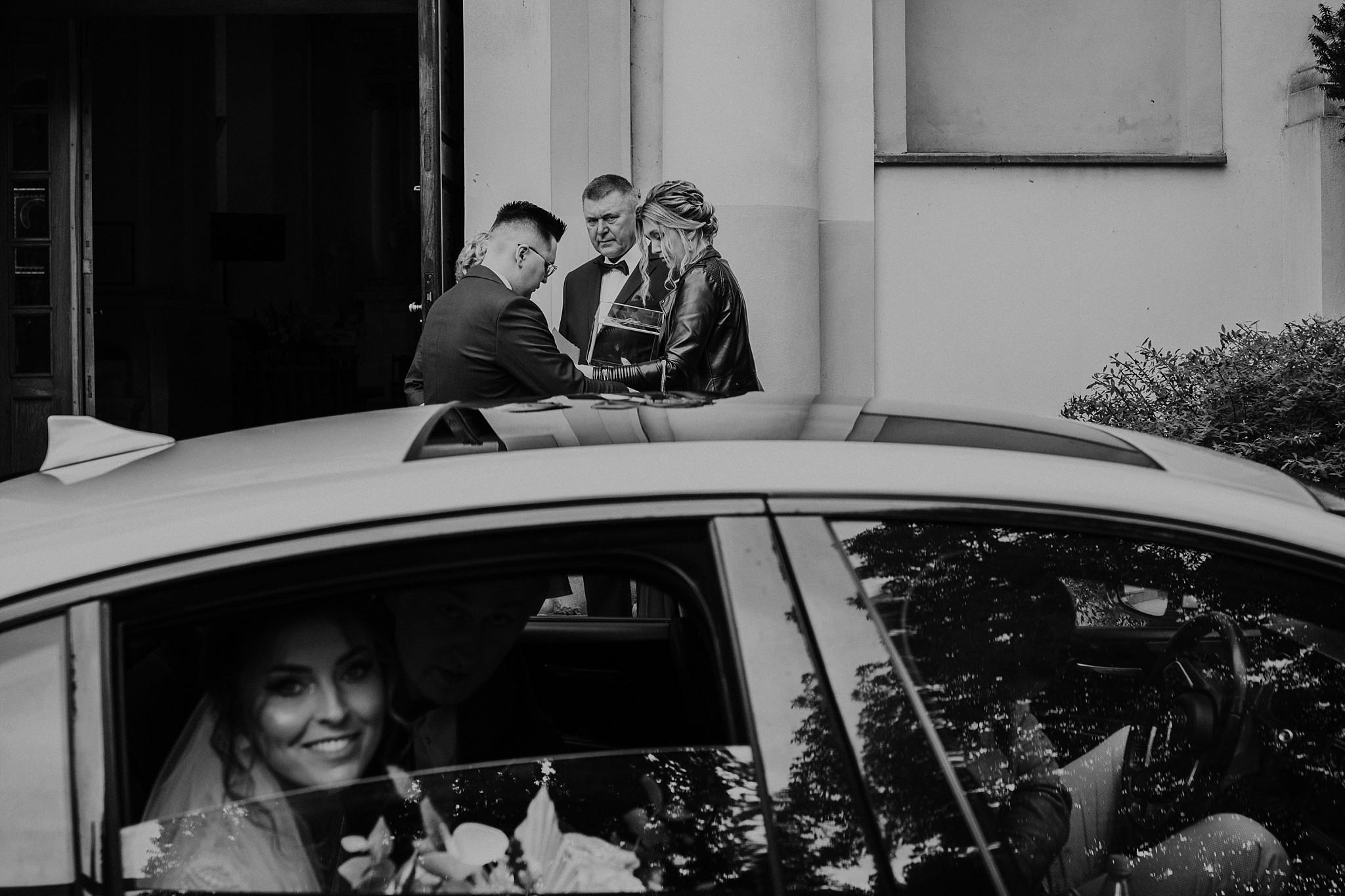 fotograf poznan wesele dobra truskawka piekne wesele pod poznaniem wesele w dobrej truskawce piekna para mloda slub marzen slub koronawirus slub listopad wesele koronawirus 124