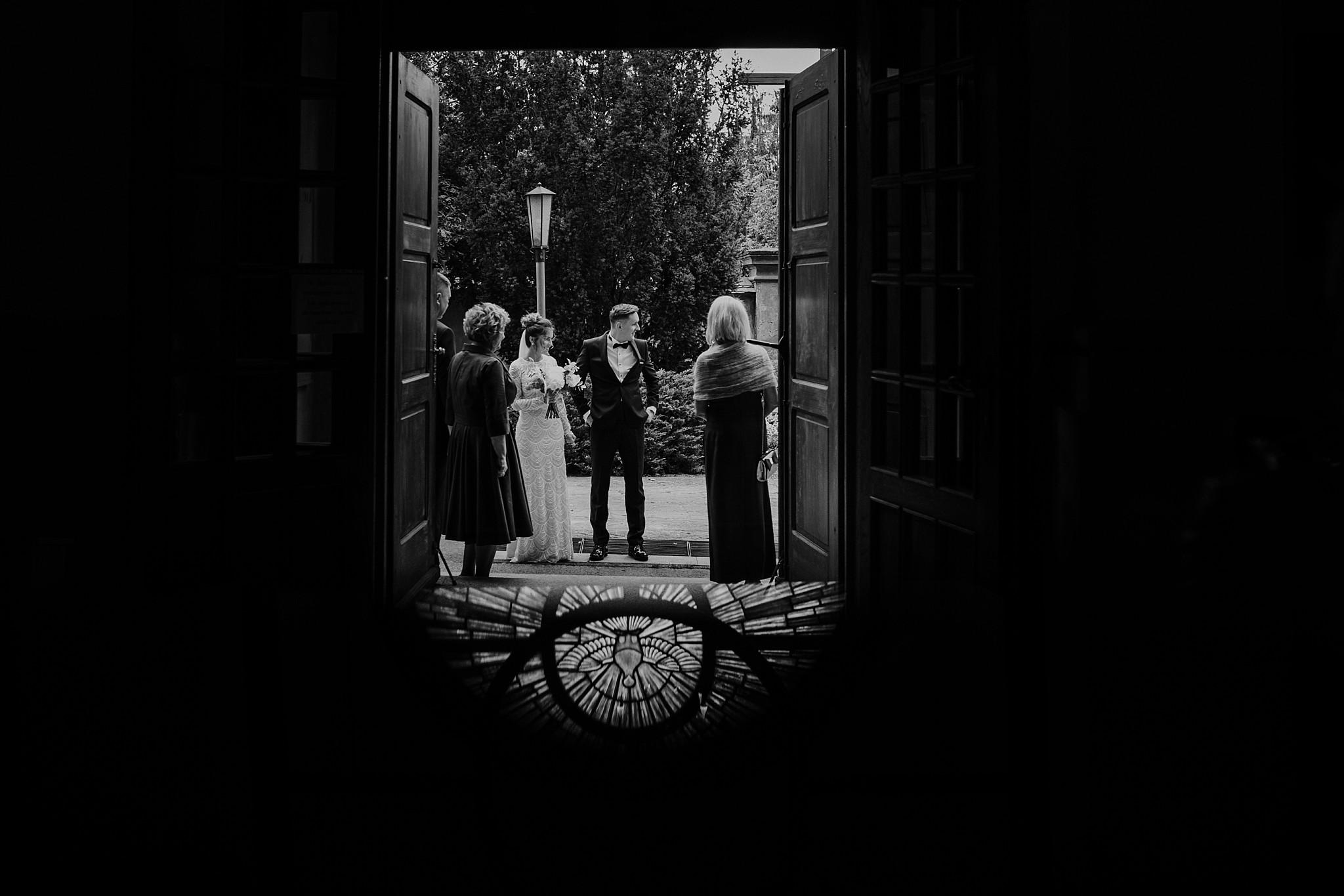 fotograf poznan wesele dobra truskawka piekne wesele pod poznaniem wesele w dobrej truskawce piekna para mloda slub marzen slub koronawirus slub listopad wesele koronawirus 139