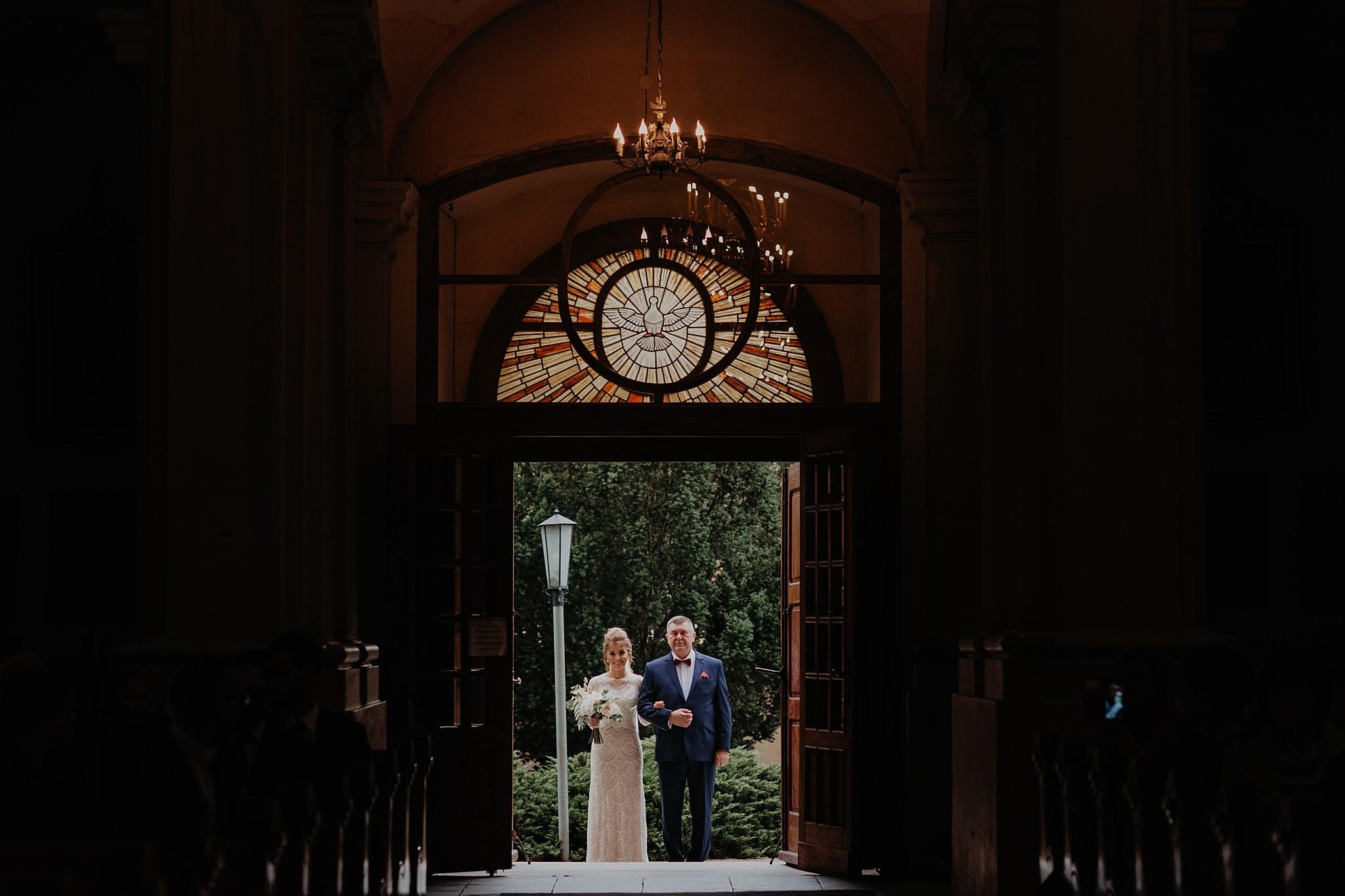 fotograf poznan wesele dobra truskawka piekne wesele pod poznaniem wesele w dobrej truskawce piekna para mloda slub marzen slub koronawirus slub listopad wesele koronawirus 144