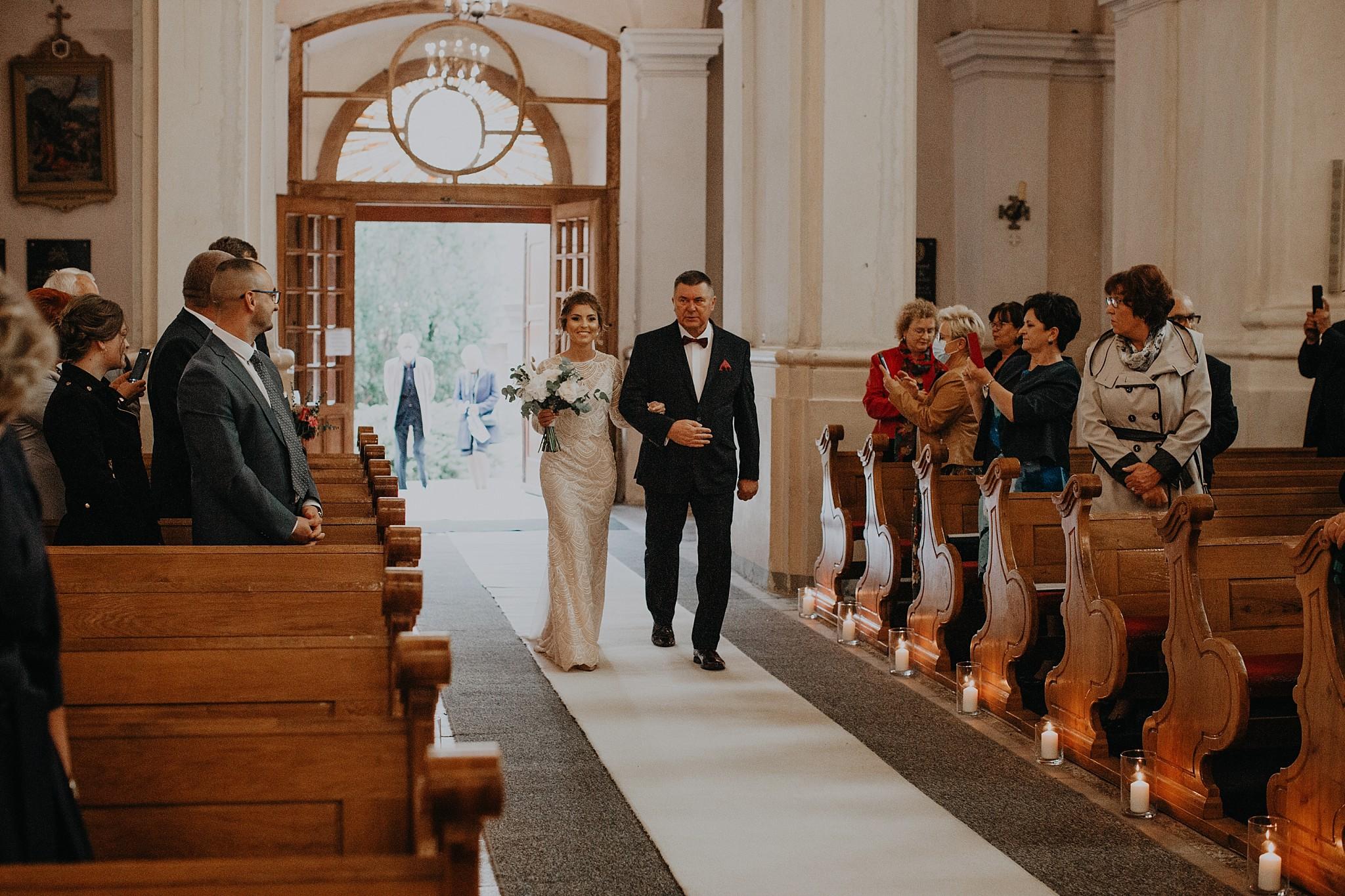 fotograf poznan wesele dobra truskawka piekne wesele pod poznaniem wesele w dobrej truskawce piekna para mloda slub marzen slub koronawirus slub listopad wesele koronawirus 148