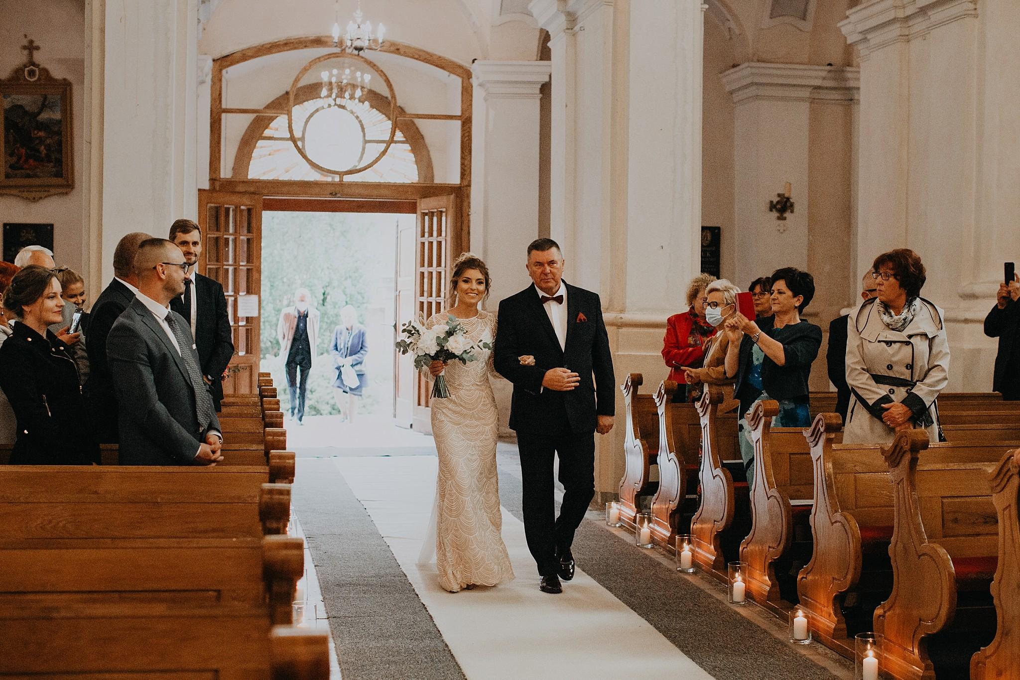 fotograf poznan wesele dobra truskawka piekne wesele pod poznaniem wesele w dobrej truskawce piekna para mloda slub marzen slub koronawirus slub listopad wesele koronawirus 150