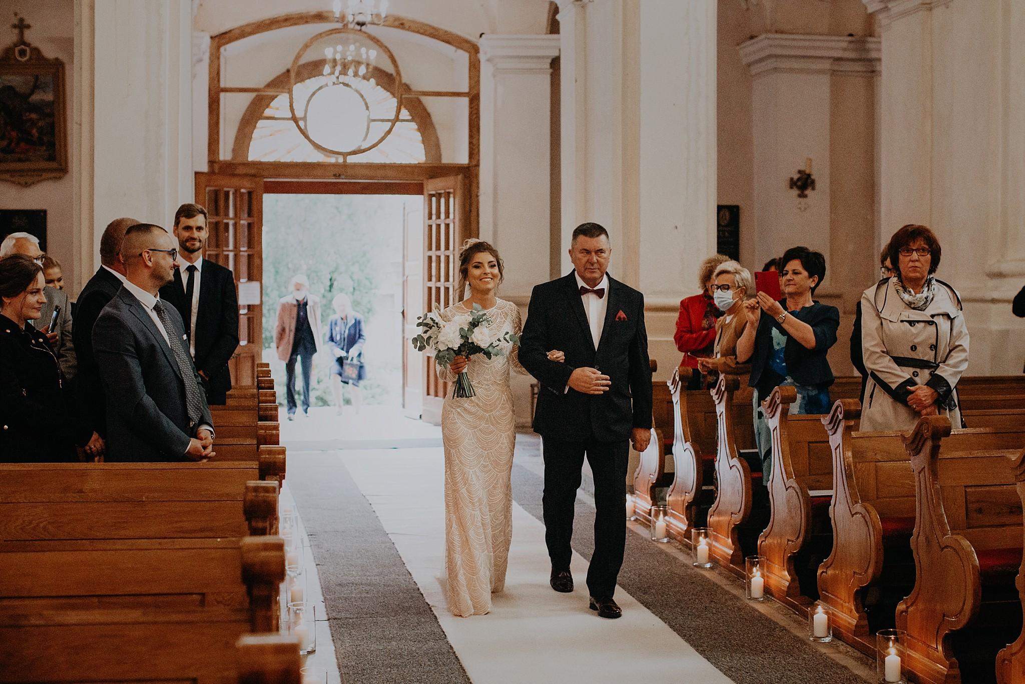 fotograf poznan wesele dobra truskawka piekne wesele pod poznaniem wesele w dobrej truskawce piekna para mloda slub marzen slub koronawirus slub listopad wesele koronawirus 151