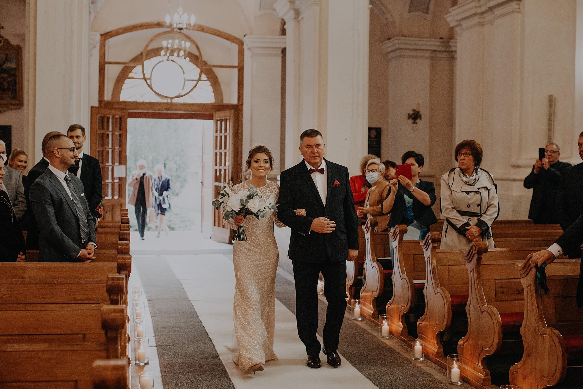 fotograf poznan wesele dobra truskawka piekne wesele pod poznaniem wesele w dobrej truskawce piekna para mloda slub marzen slub koronawirus slub listopad wesele koronawirus 152