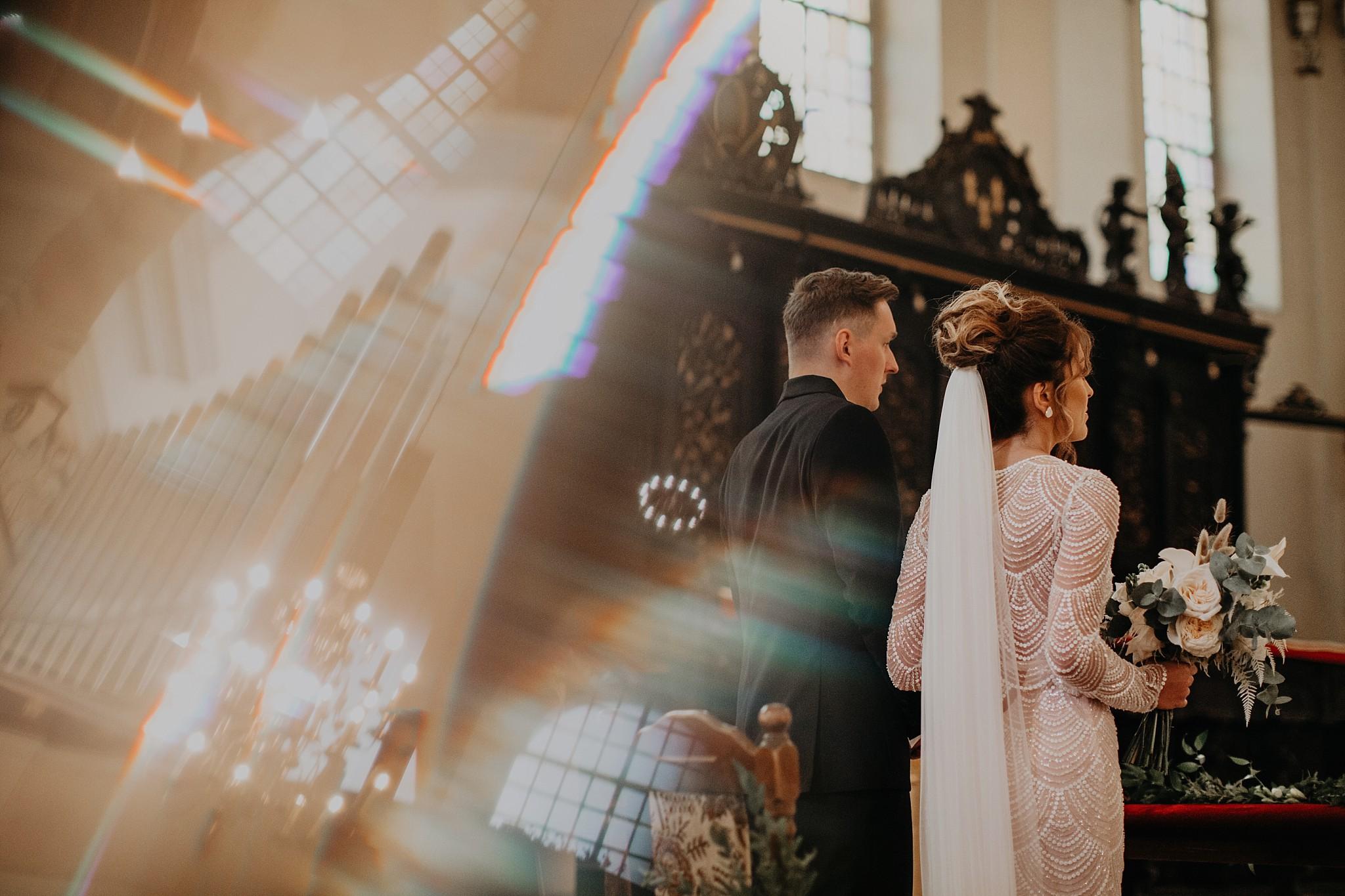 fotograf poznan wesele dobra truskawka piekne wesele pod poznaniem wesele w dobrej truskawce piekna para mloda slub marzen slub koronawirus slub listopad wesele koronawirus 156