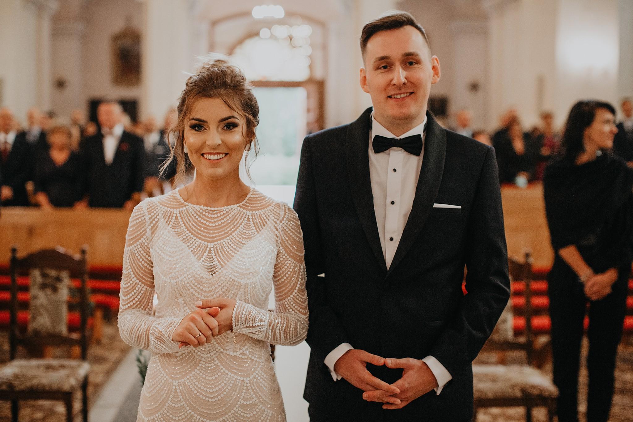 fotograf poznan wesele dobra truskawka piekne wesele pod poznaniem wesele w dobrej truskawce piekna para mloda slub marzen slub koronawirus slub listopad wesele koronawirus 181