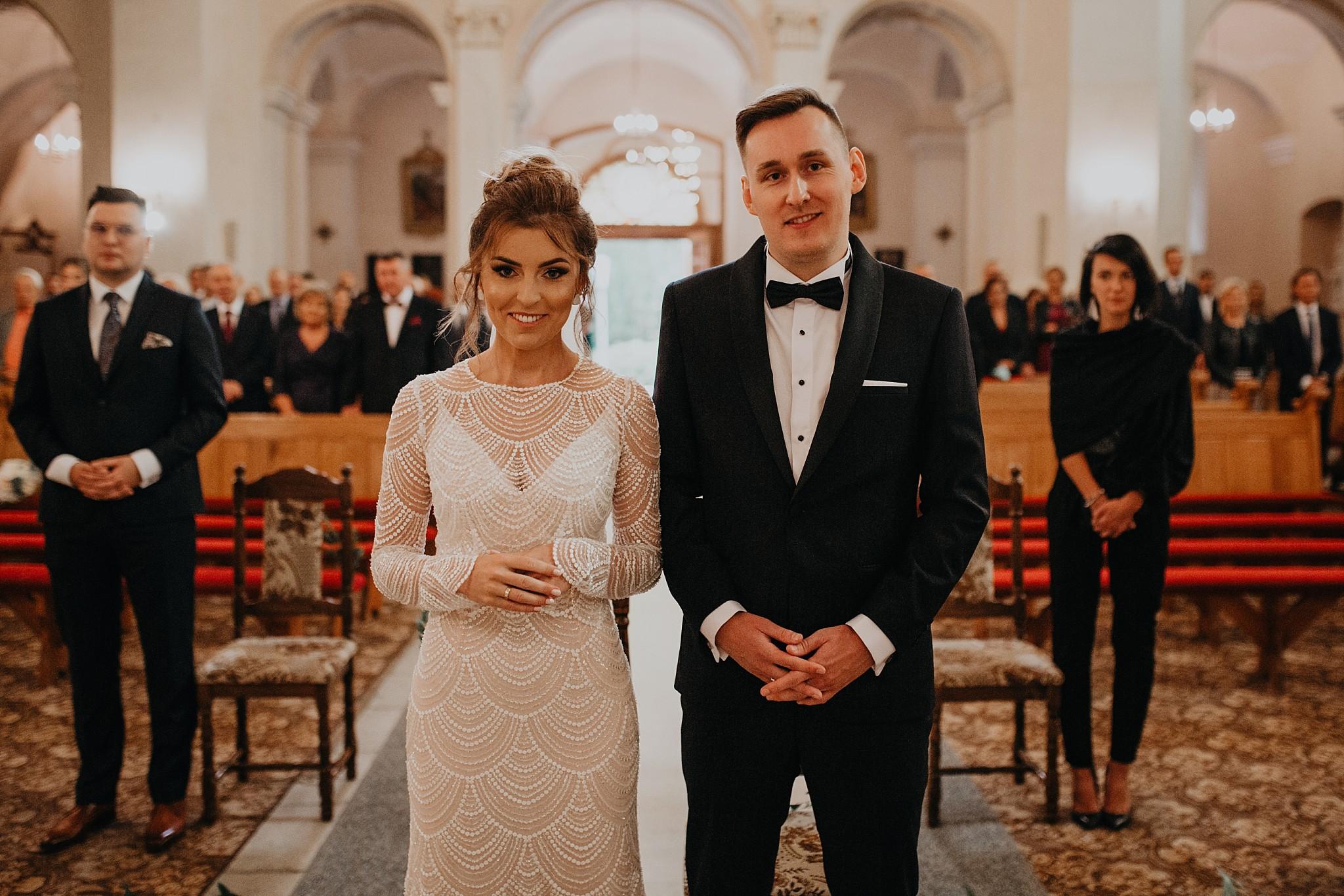 fotograf poznan wesele dobra truskawka piekne wesele pod poznaniem wesele w dobrej truskawce piekna para mloda slub marzen slub koronawirus slub listopad wesele koronawirus 184