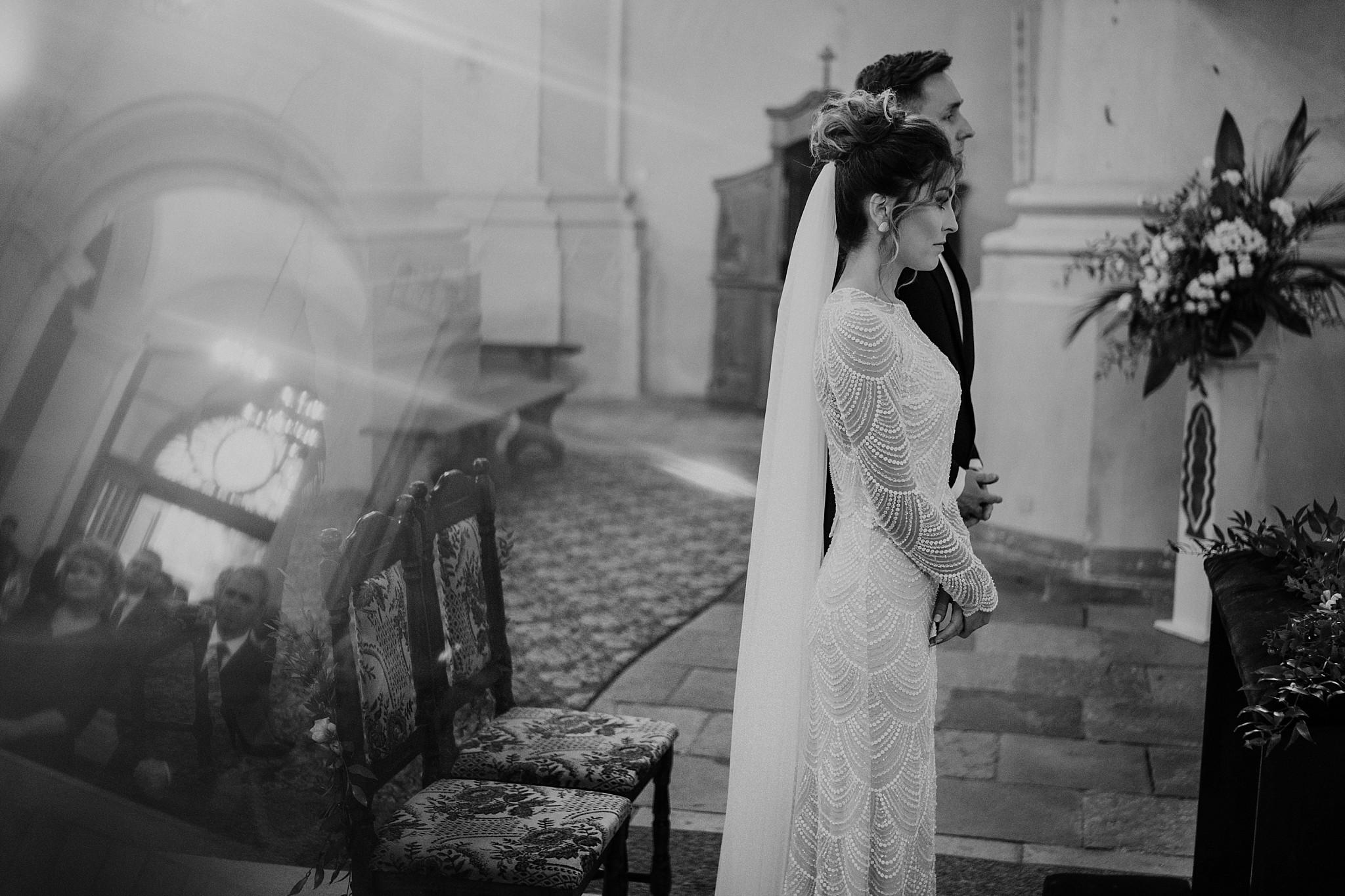 fotograf poznan wesele dobra truskawka piekne wesele pod poznaniem wesele w dobrej truskawce piekna para mloda slub marzen slub koronawirus slub listopad wesele koronawirus 192