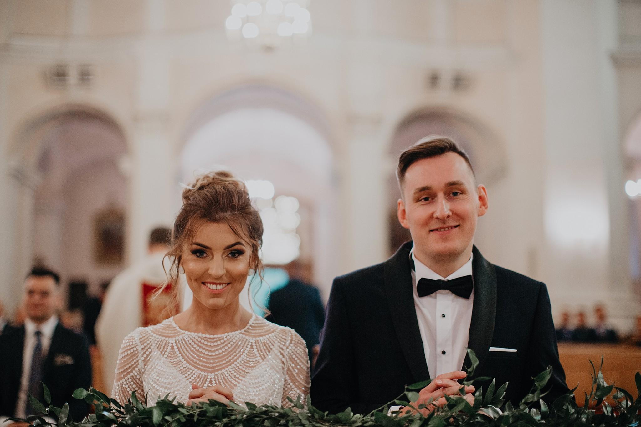 fotograf poznan wesele dobra truskawka piekne wesele pod poznaniem wesele w dobrej truskawce piekna para mloda slub marzen slub koronawirus slub listopad wesele koronawirus 197