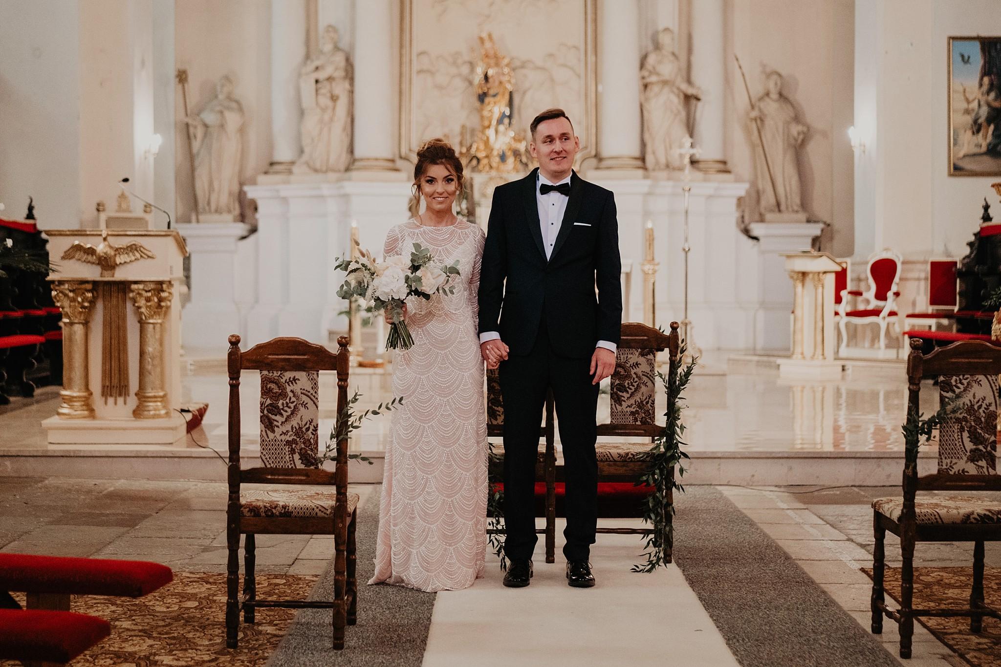 fotograf poznan wesele dobra truskawka piekne wesele pod poznaniem wesele w dobrej truskawce piekna para mloda slub marzen slub koronawirus slub listopad wesele koronawirus 206