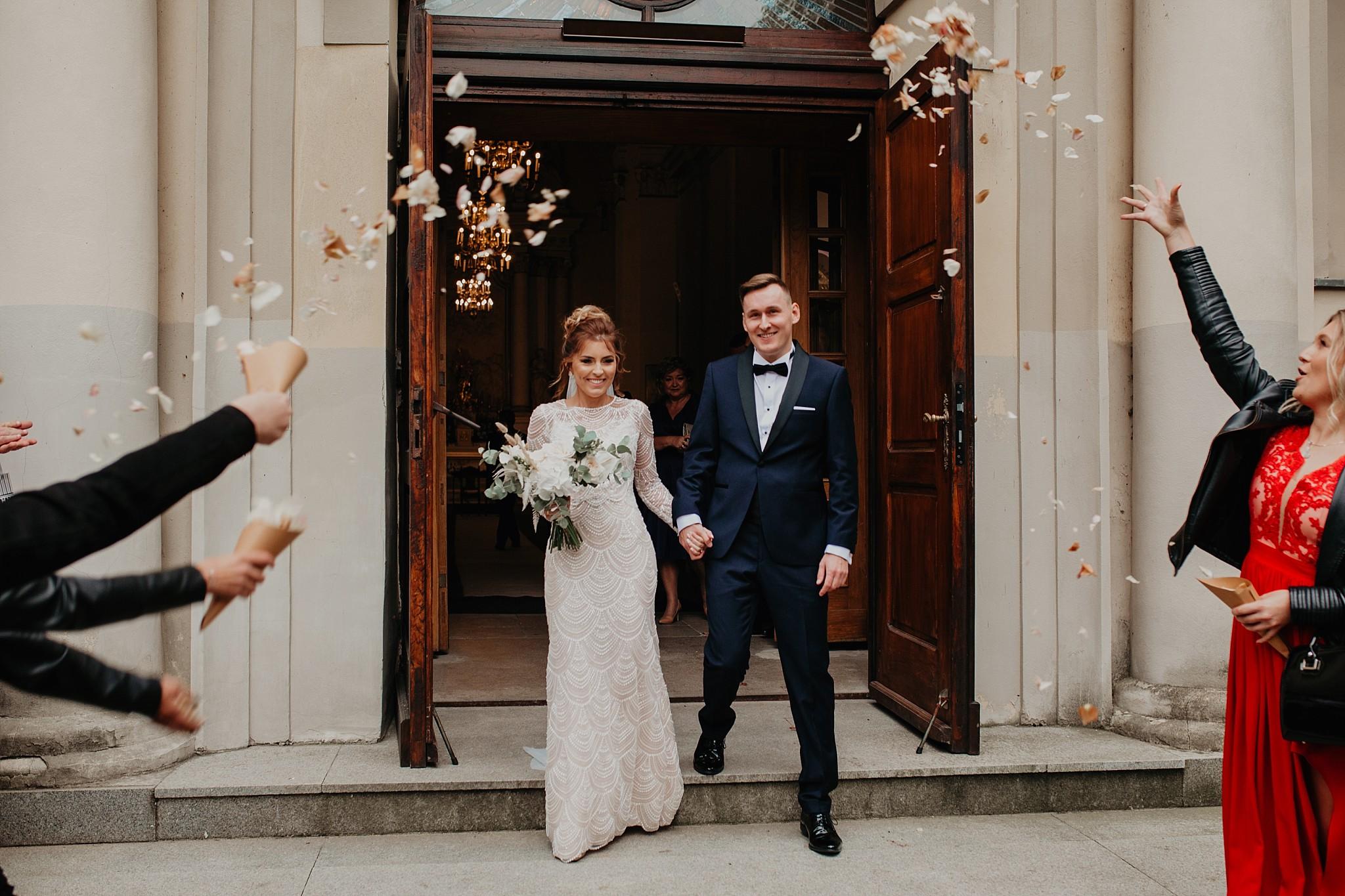 fotograf poznan wesele dobra truskawka piekne wesele pod poznaniem wesele w dobrej truskawce piekna para mloda slub marzen slub koronawirus slub listopad wesele koronawirus 216