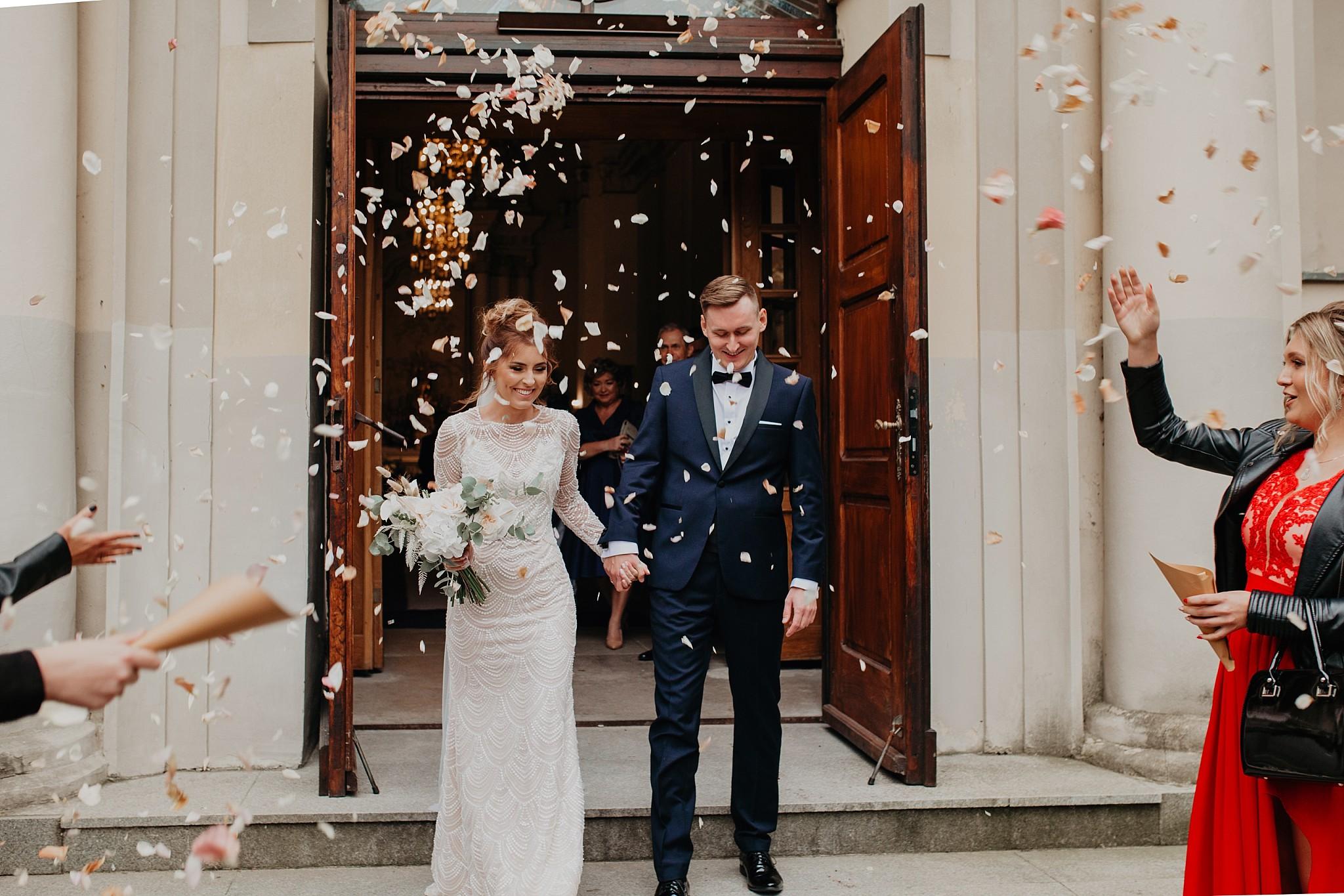 fotograf poznan wesele dobra truskawka piekne wesele pod poznaniem wesele w dobrej truskawce piekna para mloda slub marzen slub koronawirus slub listopad wesele koronawirus 217