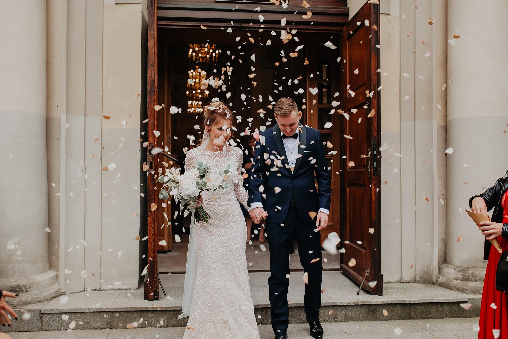 fotograf poznan wesele dobra truskawka piekne wesele pod poznaniem wesele w dobrej truskawce piekna para mloda slub marzen slub koronawirus slub listopad wesele koronawirus 218