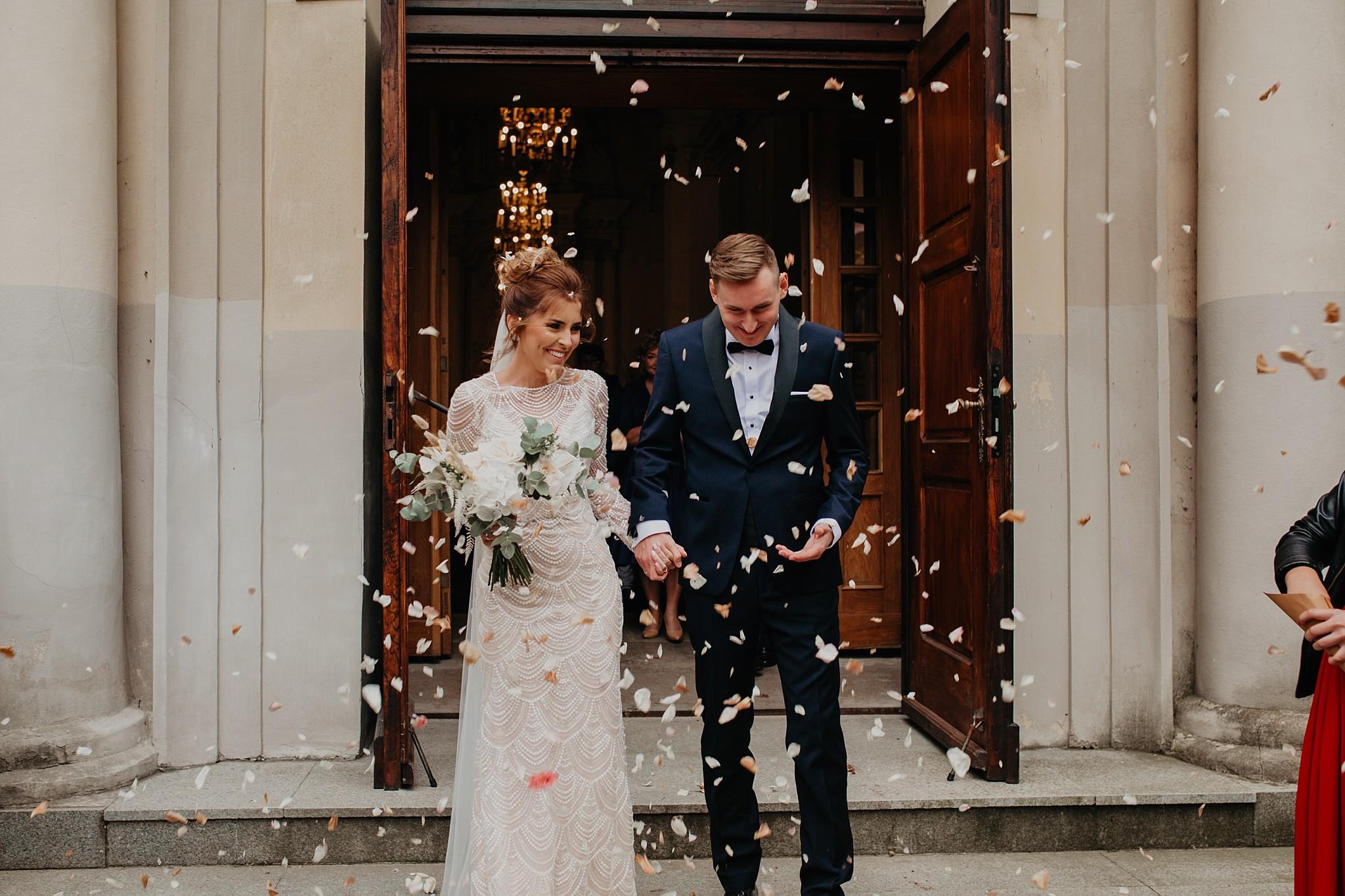 fotograf poznan wesele dobra truskawka piekne wesele pod poznaniem wesele w dobrej truskawce piekna para mloda slub marzen slub koronawirus slub listopad wesele koronawirus 219