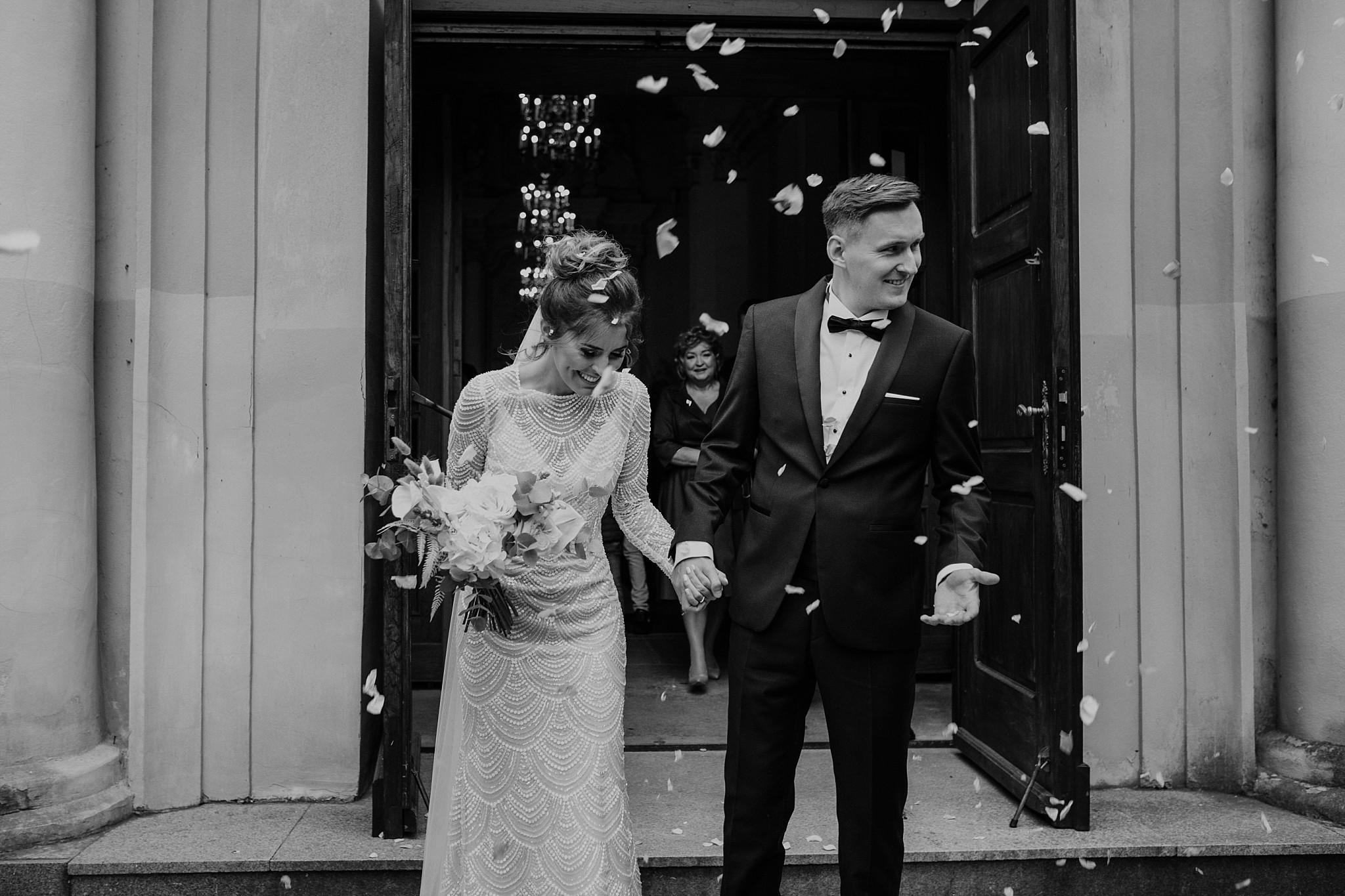 fotograf poznan wesele dobra truskawka piekne wesele pod poznaniem wesele w dobrej truskawce piekna para mloda slub marzen slub koronawirus slub listopad wesele koronawirus 221