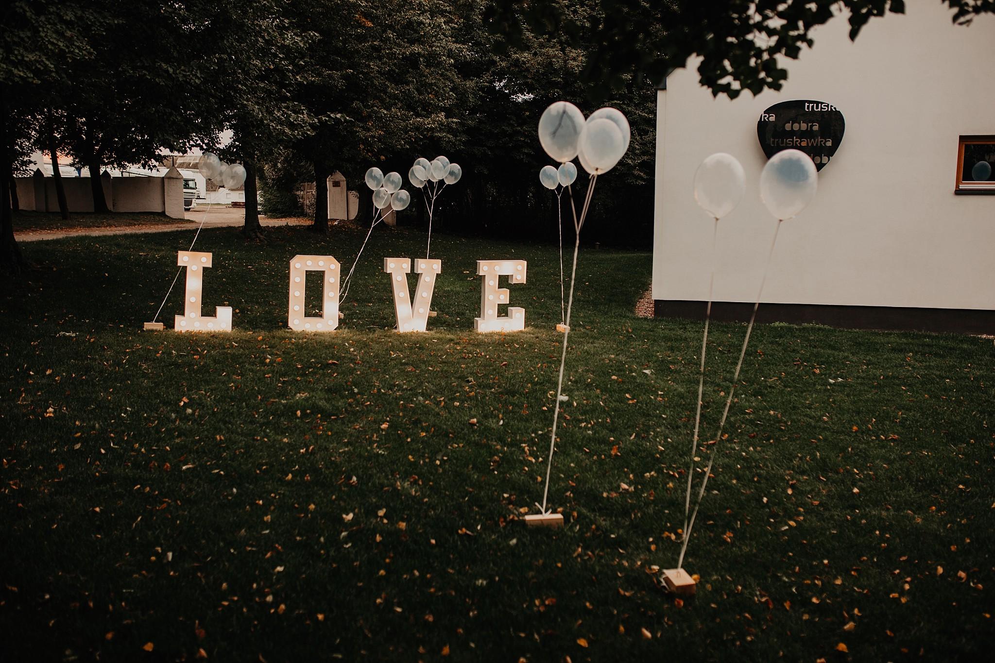 fotograf poznan wesele dobra truskawka piekne wesele pod poznaniem wesele w dobrej truskawce piekna para mloda slub marzen slub koronawirus slub listopad wesele koronawirus 246