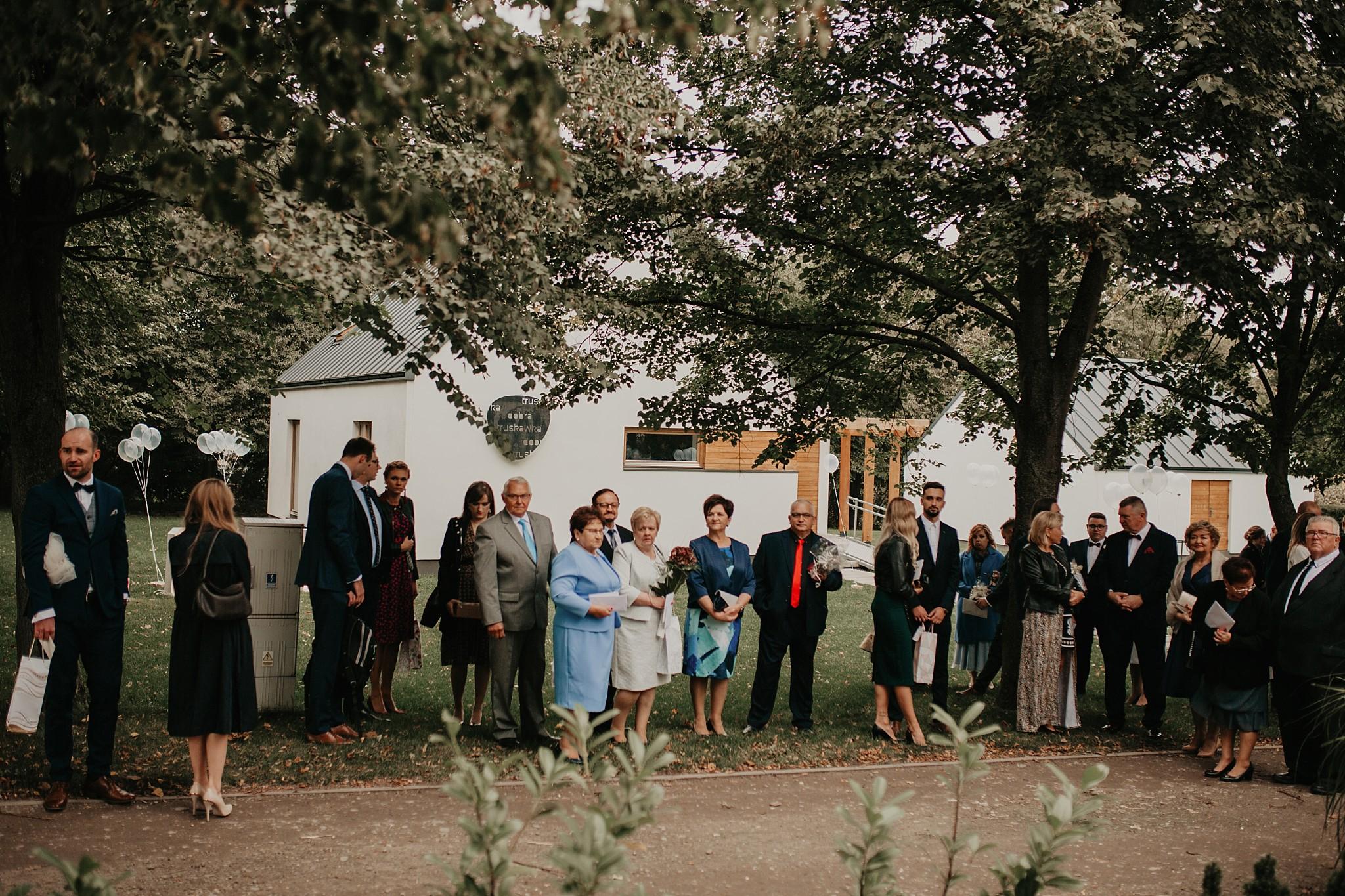 fotograf poznan wesele dobra truskawka piekne wesele pod poznaniem wesele w dobrej truskawce piekna para mloda slub marzen slub koronawirus slub listopad wesele koronawirus 257