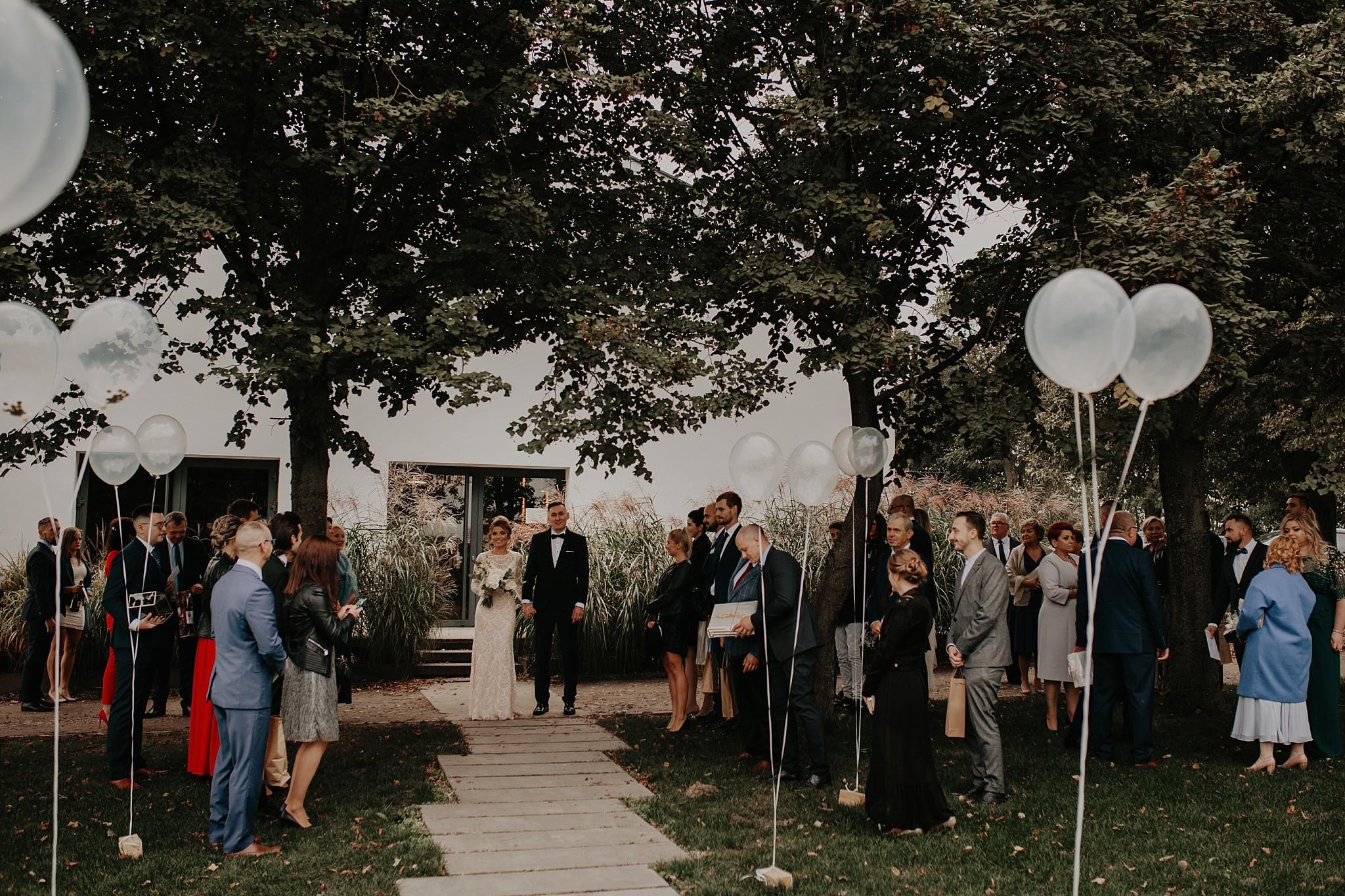 fotograf poznan wesele dobra truskawka piekne wesele pod poznaniem wesele w dobrej truskawce piekna para mloda slub marzen slub koronawirus slub listopad wesele koronawirus 259