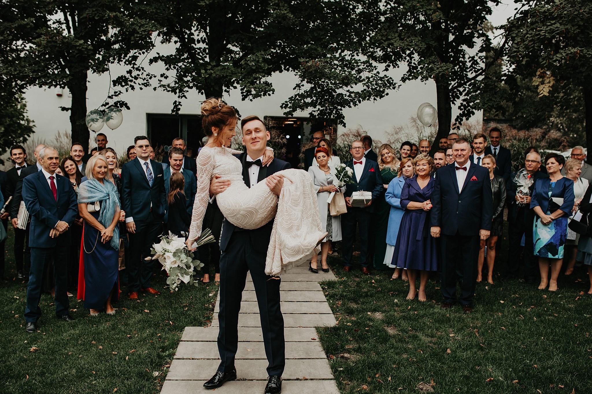 fotograf poznan wesele dobra truskawka piekne wesele pod poznaniem wesele w dobrej truskawce piekna para mloda slub marzen slub koronawirus slub listopad wesele koronawirus 265
