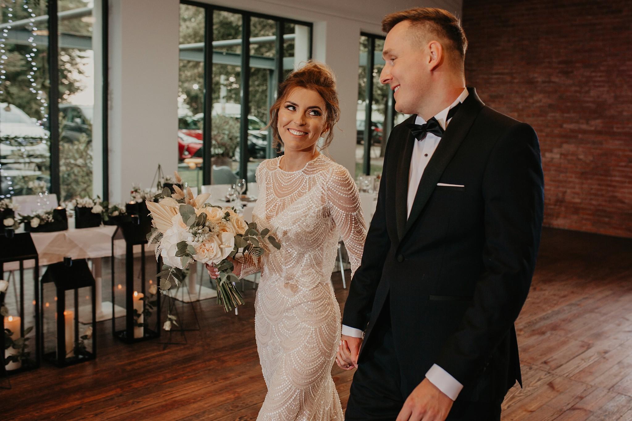 fotograf poznan wesele dobra truskawka piekne wesele pod poznaniem wesele w dobrej truskawce piekna para mloda slub marzen slub koronawirus slub listopad wesele koronawirus 271