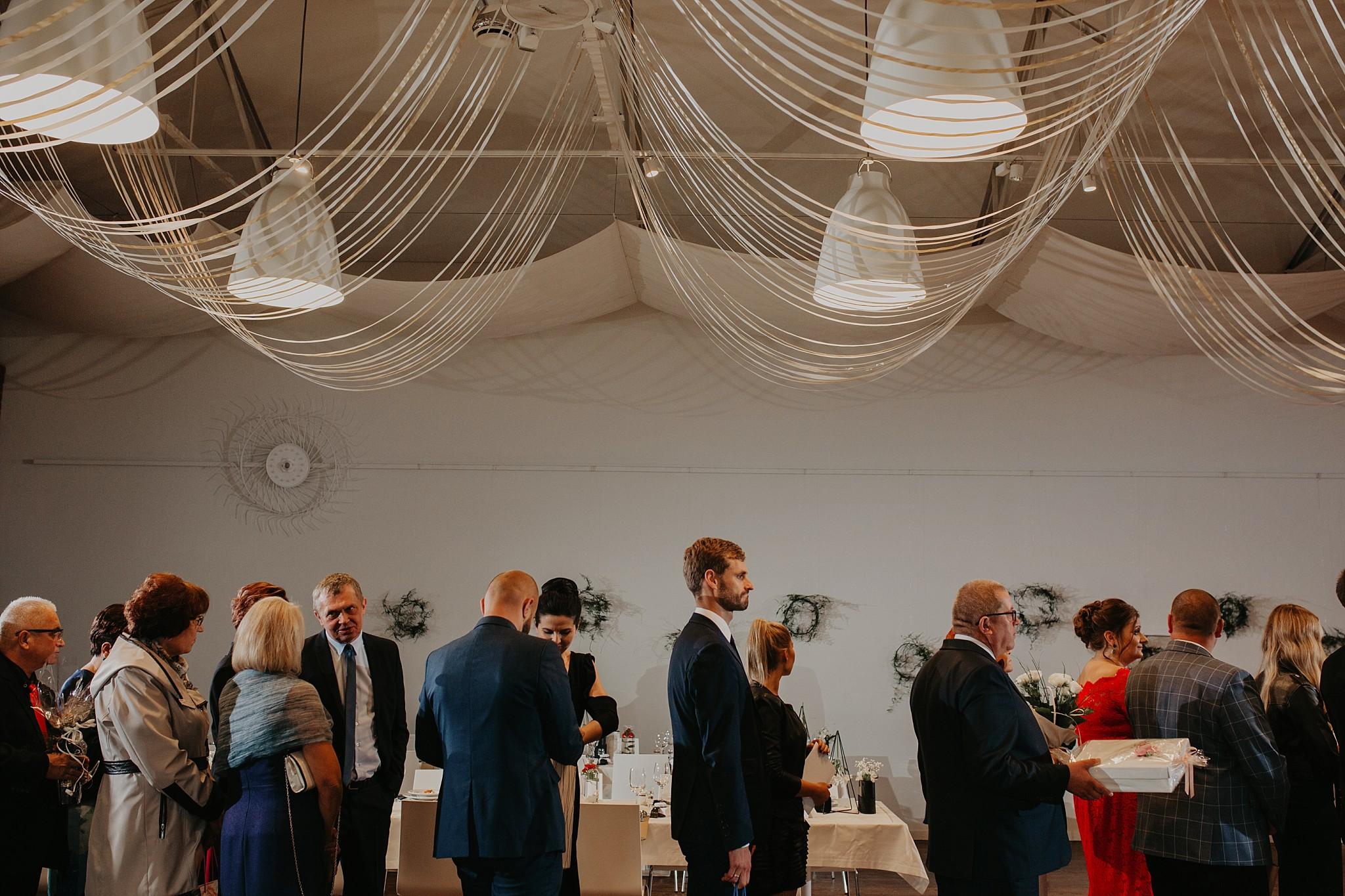fotograf poznan wesele dobra truskawka piekne wesele pod poznaniem wesele w dobrej truskawce piekna para mloda slub marzen slub koronawirus slub listopad wesele koronawirus 273