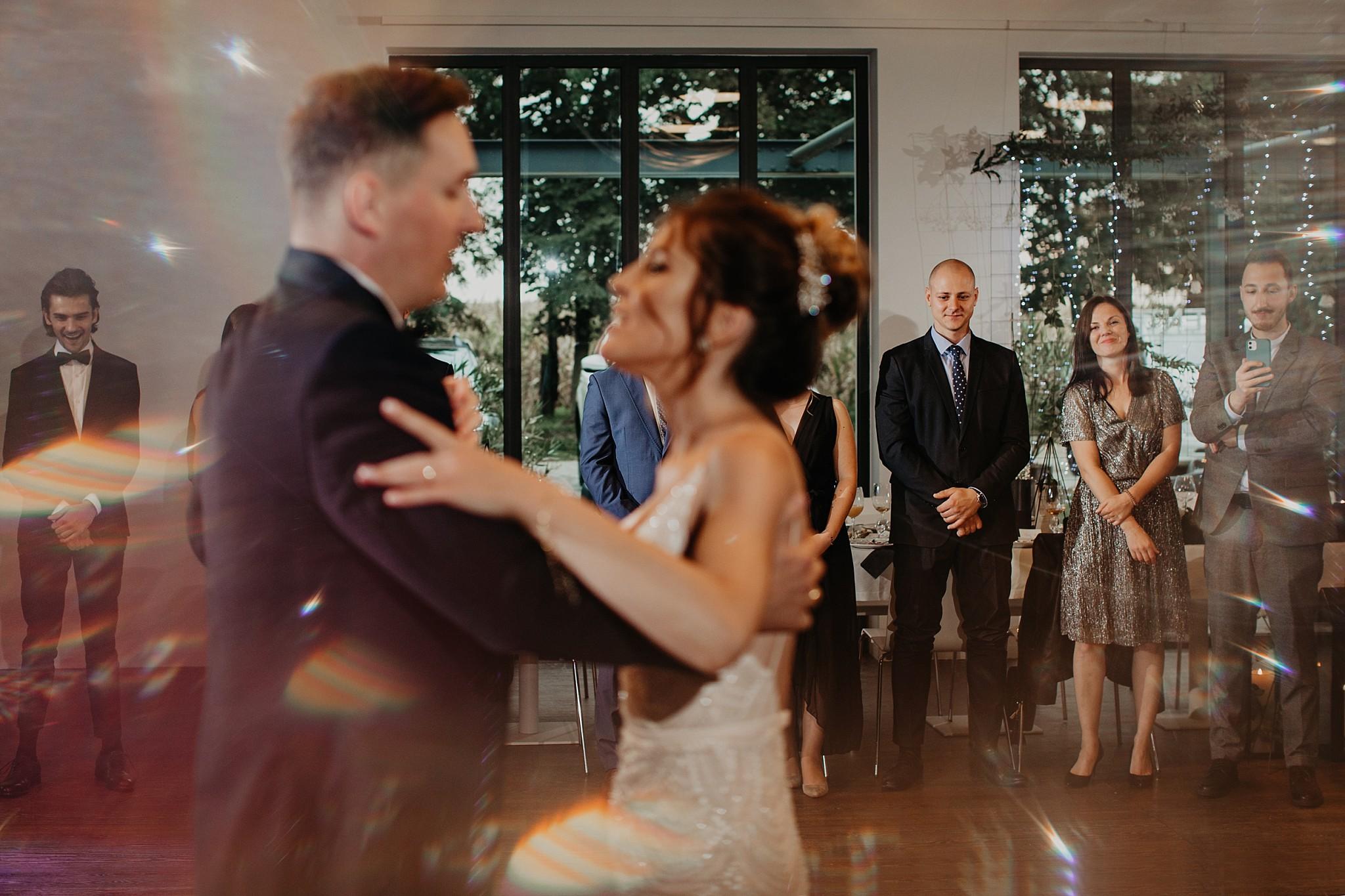 fotograf poznan wesele dobra truskawka piekne wesele pod poznaniem wesele w dobrej truskawce piekna para mloda slub marzen slub koronawirus slub listopad wesele koronawirus 308