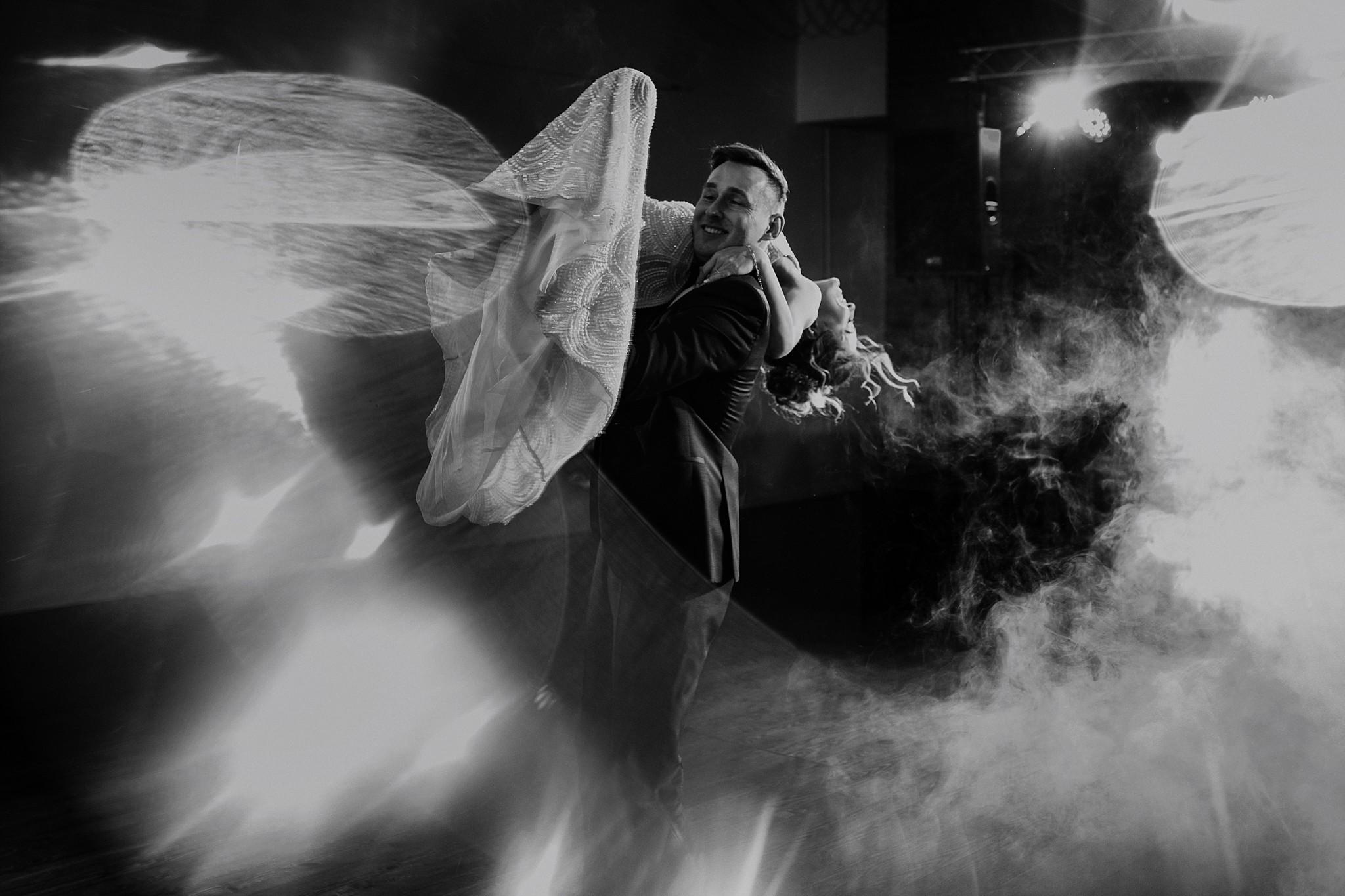 fotograf poznan wesele dobra truskawka piekne wesele pod poznaniem wesele w dobrej truskawce piekna para mloda slub marzen slub koronawirus slub listopad wesele koronawirus 321