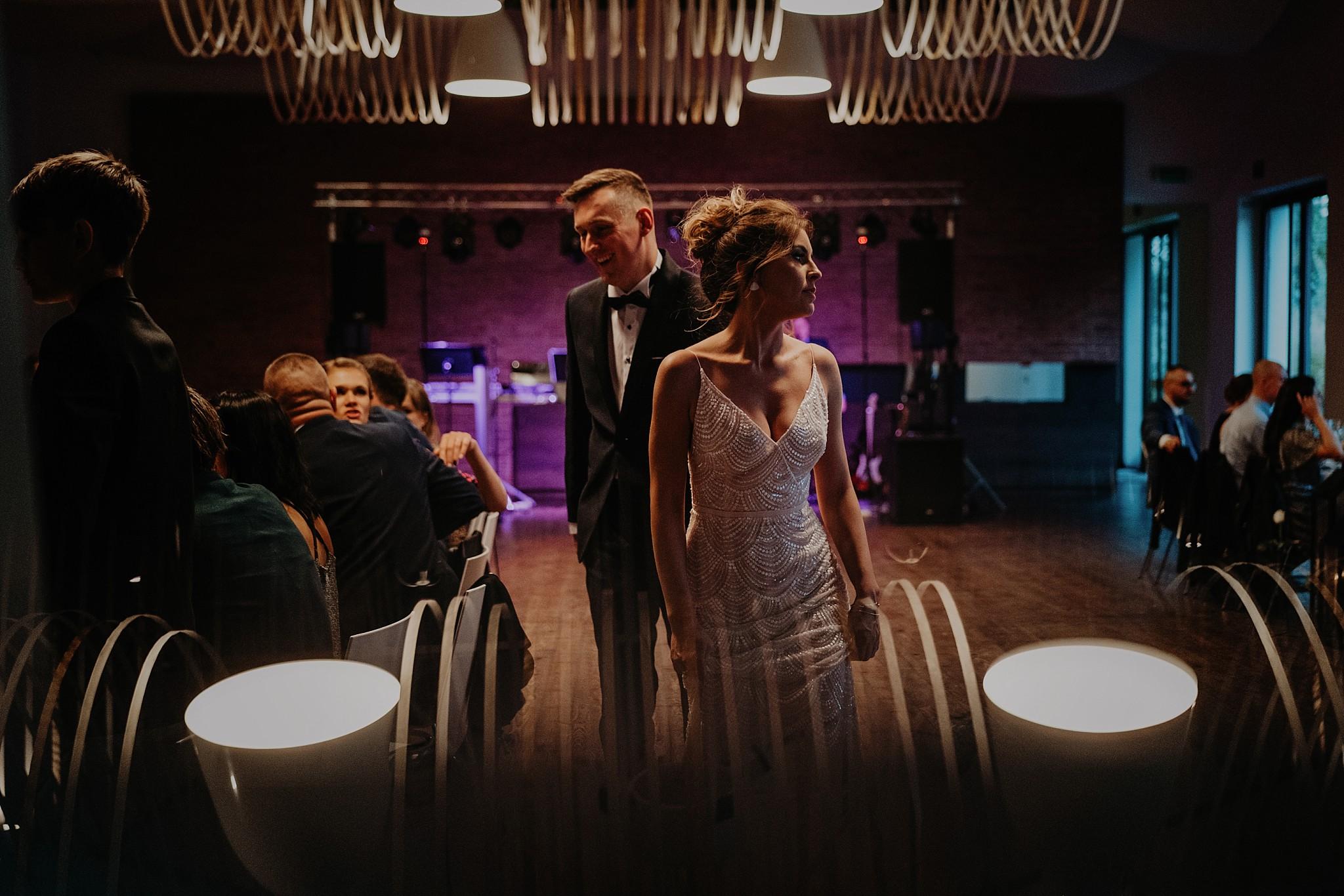 fotograf poznan wesele dobra truskawka piekne wesele pod poznaniem wesele w dobrej truskawce piekna para mloda slub marzen slub koronawirus slub listopad wesele koronawirus 328