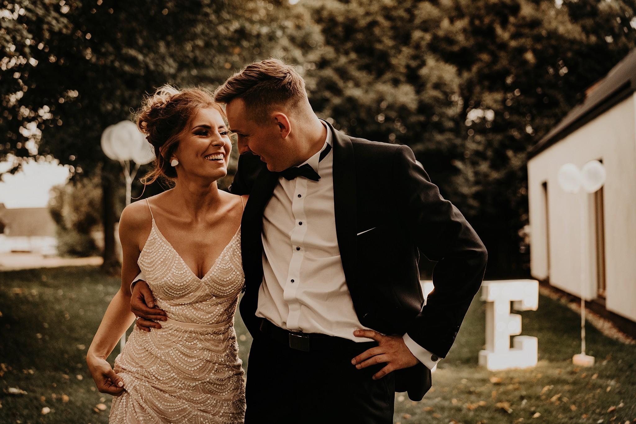 fotograf poznan wesele dobra truskawka piekne wesele pod poznaniem wesele w dobrej truskawce piekna para mloda slub marzen slub koronawirus slub listopad wesele koronawirus 356