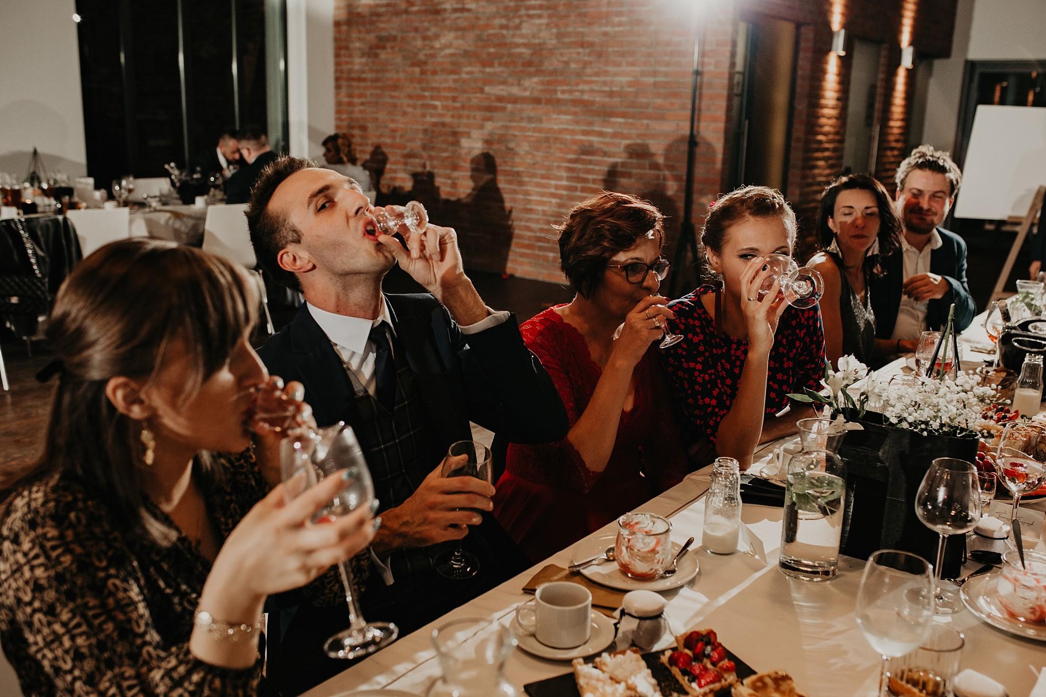 fotograf poznan wesele dobra truskawka piekne wesele pod poznaniem wesele w dobrej truskawce piekna para mloda slub marzen slub koronawirus slub listopad wesele koronawirus 380