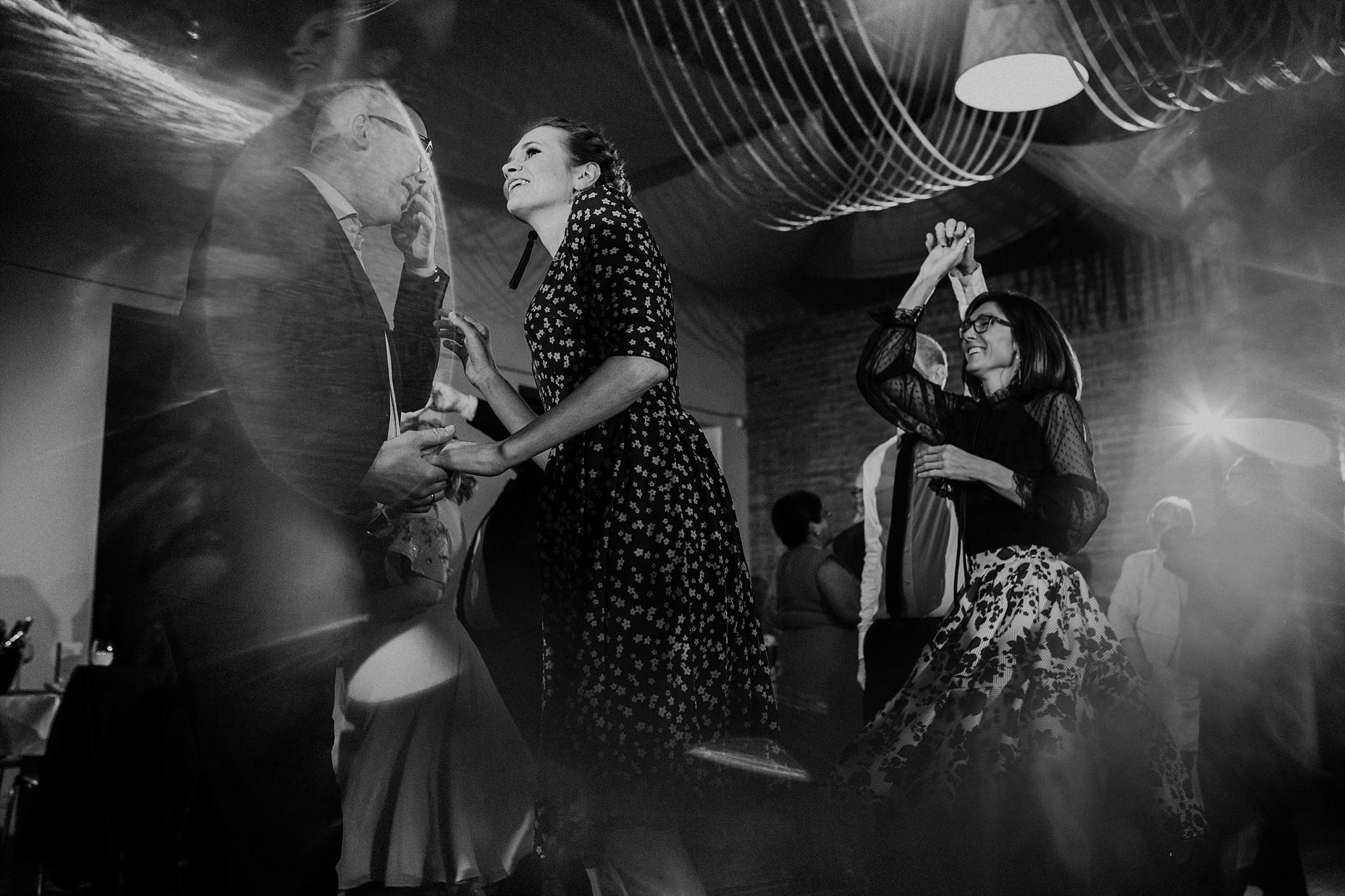 fotograf poznan wesele dobra truskawka piekne wesele pod poznaniem wesele w dobrej truskawce piekna para mloda slub marzen slub koronawirus slub listopad wesele koronawirus 419