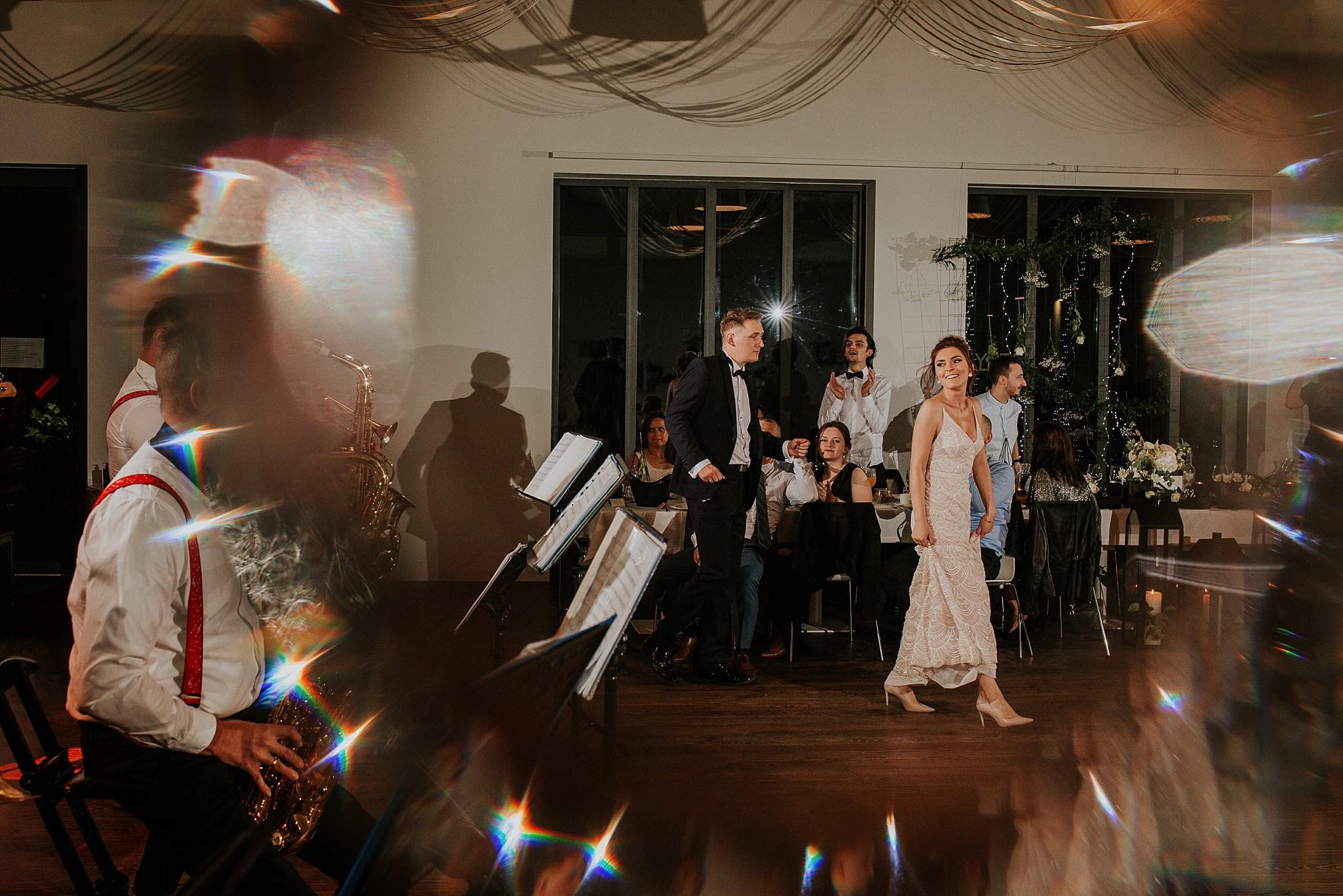 fotograf poznan wesele dobra truskawka piekne wesele pod poznaniem wesele w dobrej truskawce piekna para mloda slub marzen slub koronawirus slub listopad wesele koronawirus 448
