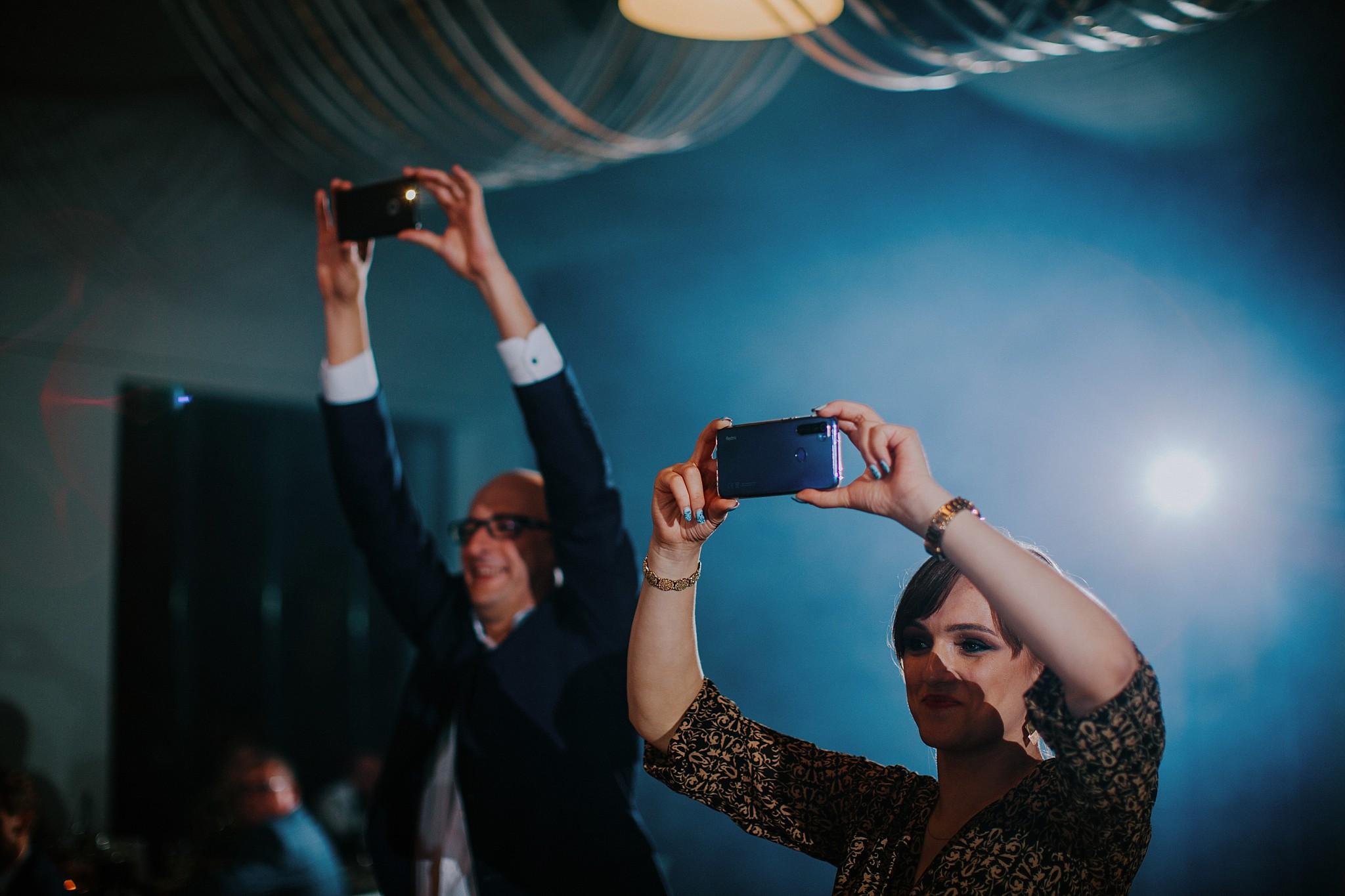 fotograf poznan wesele dobra truskawka piekne wesele pod poznaniem wesele w dobrej truskawce piekna para mloda slub marzen slub koronawirus slub listopad wesele koronawirus 459