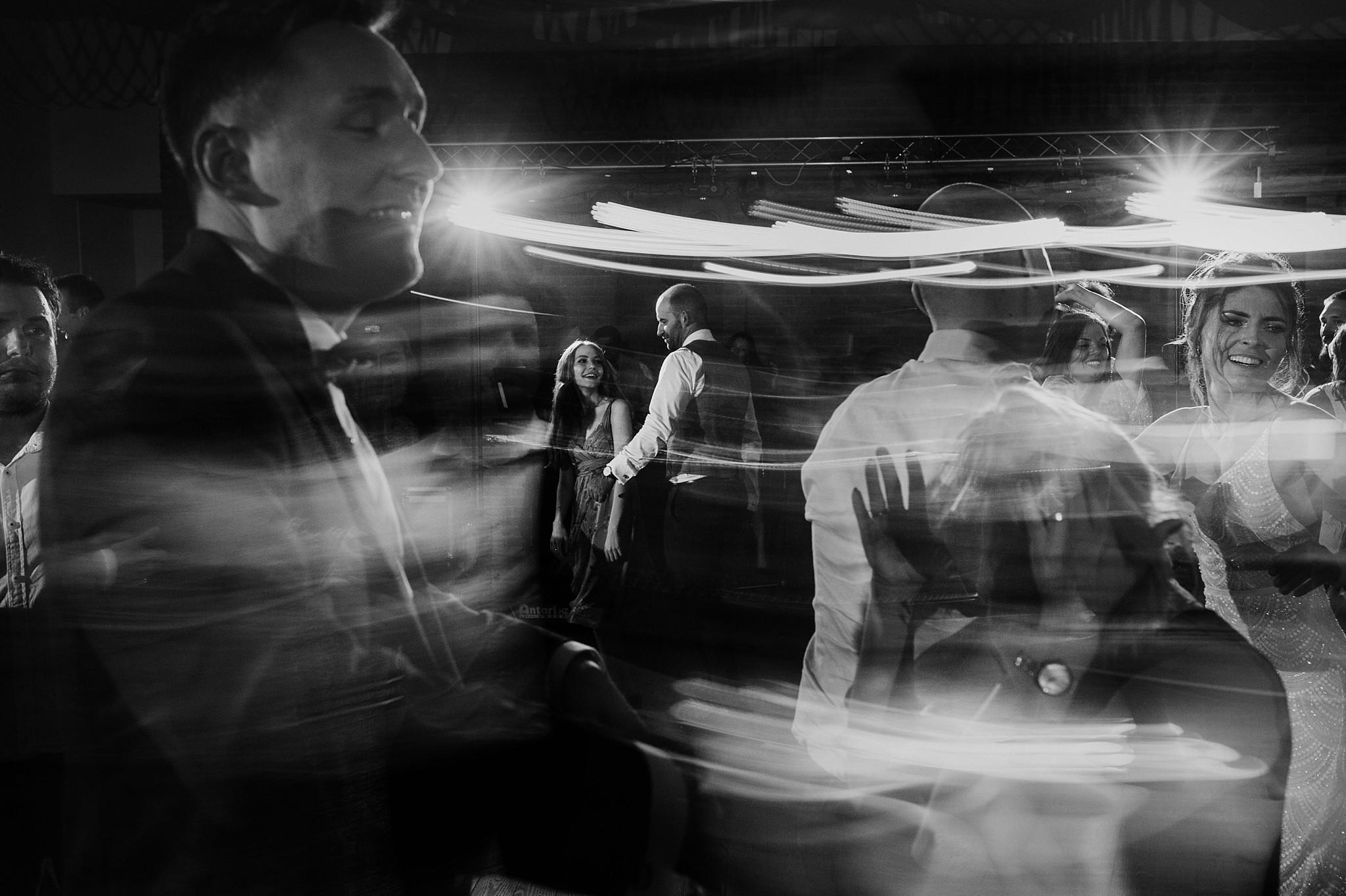 fotograf poznan wesele dobra truskawka piekne wesele pod poznaniem wesele w dobrej truskawce piekna para mloda slub marzen slub koronawirus slub listopad wesele koronawirus 473