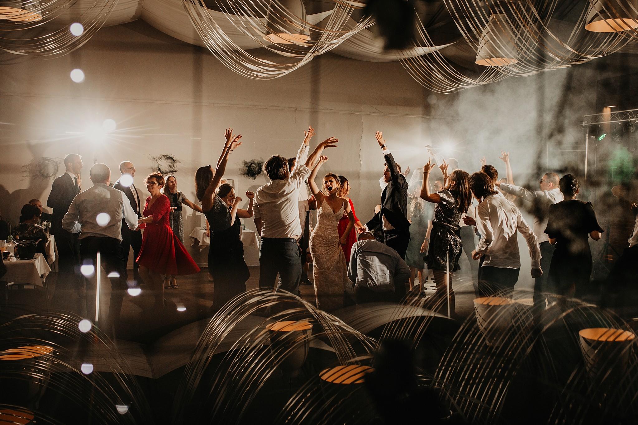 fotograf poznan wesele dobra truskawka piekne wesele pod poznaniem wesele w dobrej truskawce piekna para mloda slub marzen slub koronawirus slub listopad wesele koronawirus 487