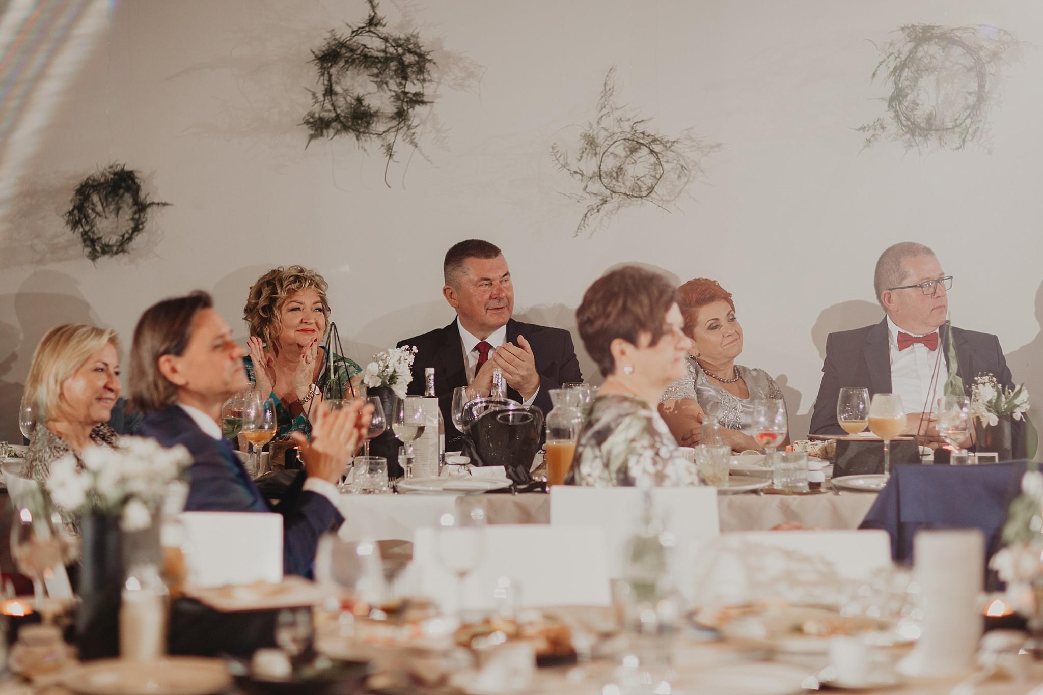fotograf poznan wesele dobra truskawka piekne wesele pod poznaniem wesele w dobrej truskawce piekna para mloda slub marzen slub koronawirus slub listopad wesele koronawirus 494